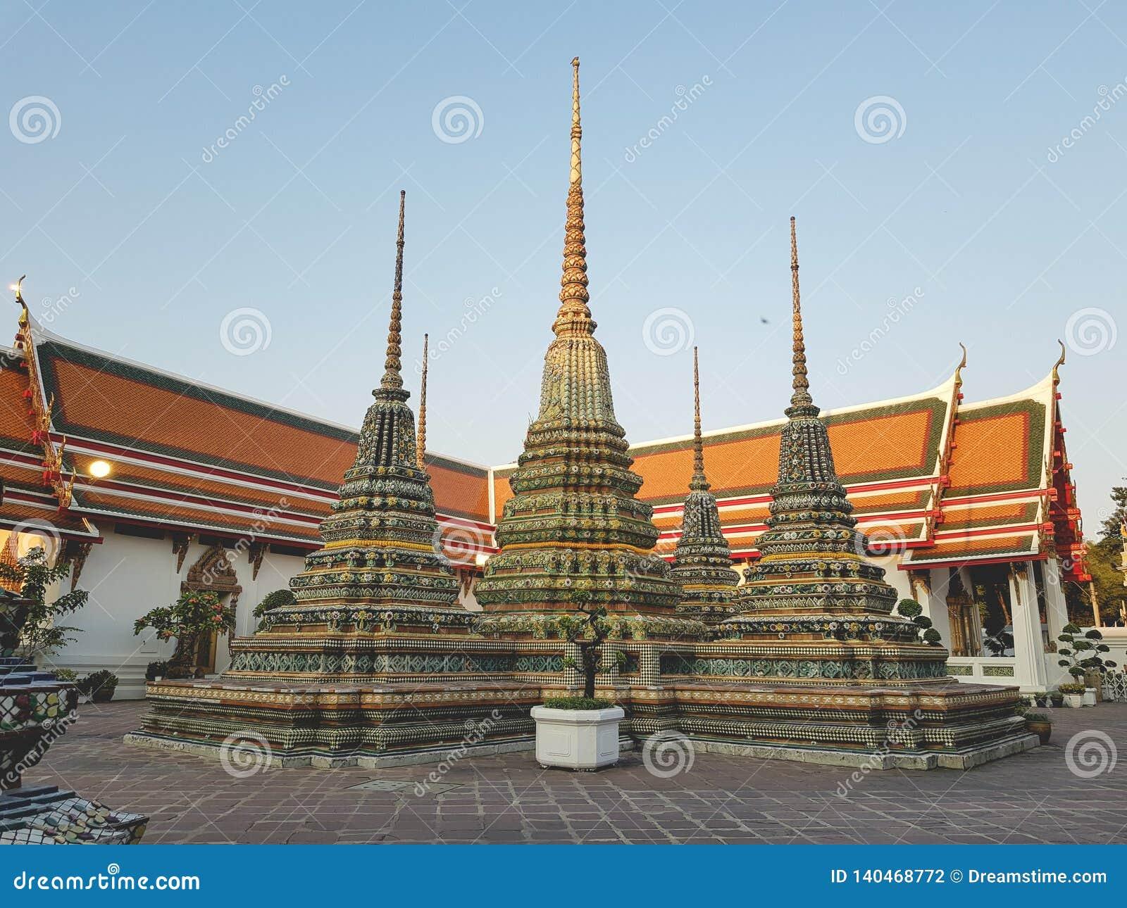 Wat Pho świątynia Opiera Buddha