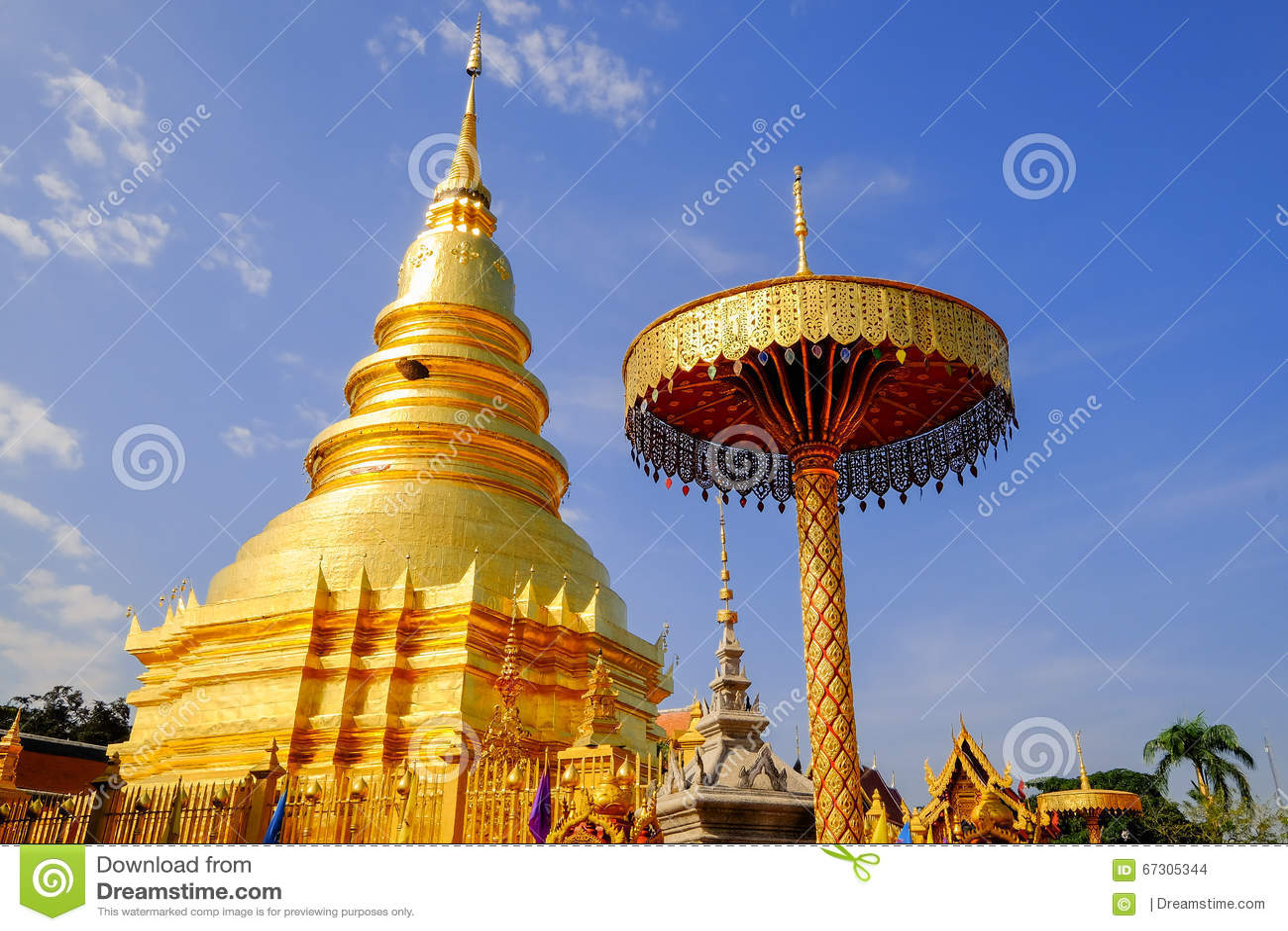 Wat phra das hariphunchai