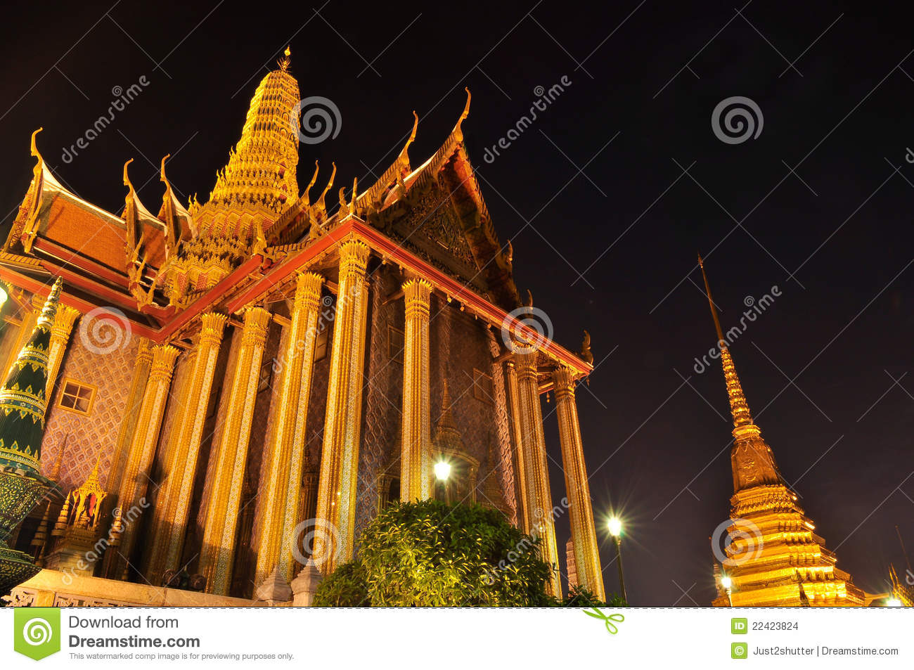 Wat Phra Kaew At Night Stock Images - Image: 22423824