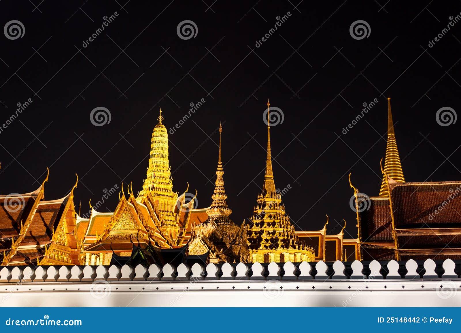 Wat Phra Kaew At Night Stock Photography - Image: 25148442
