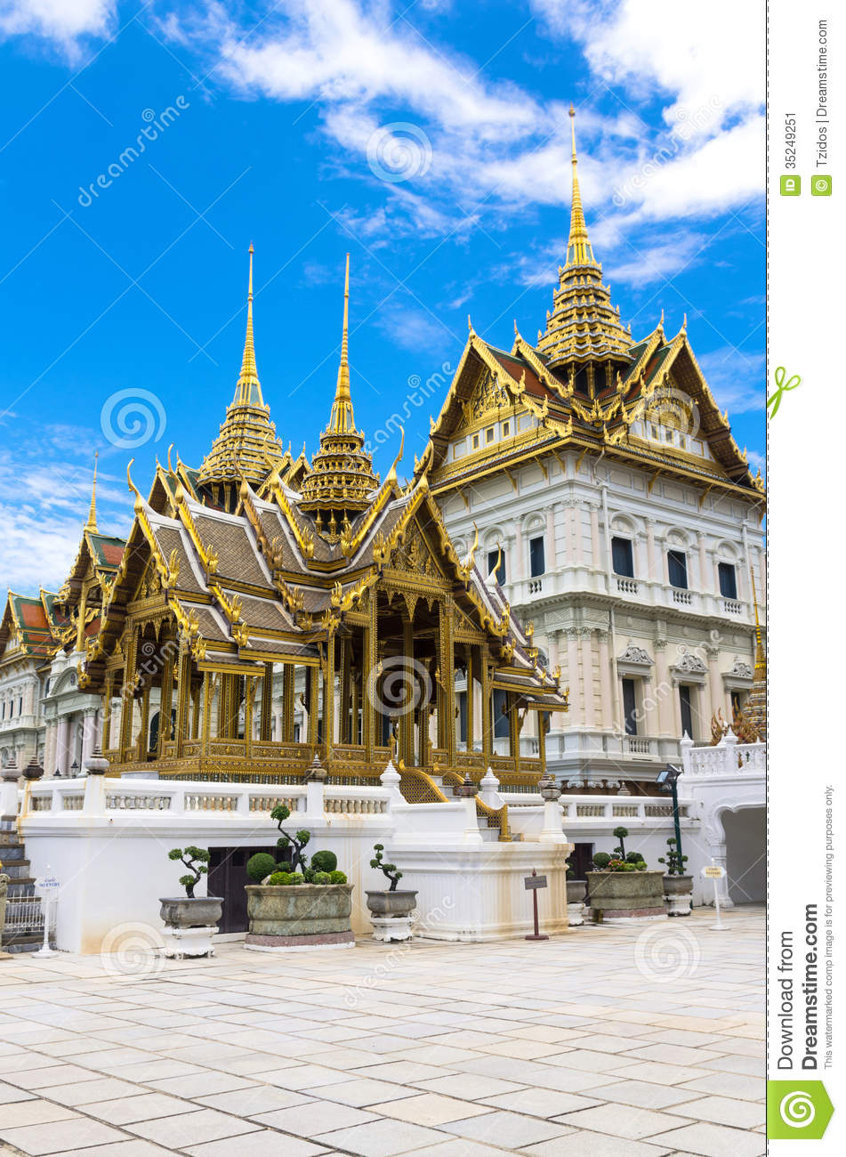 Wat phra kaew or the temple of thailand in bangkok stock for Wat architecture