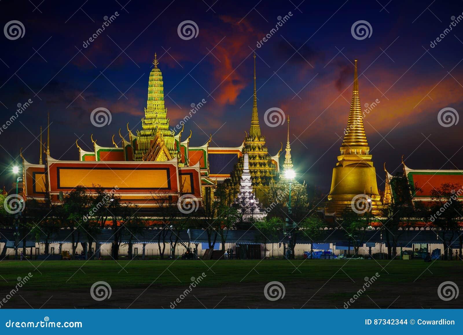 Wat Phra Kaew - templet av Emerald Buddha i Bangkok