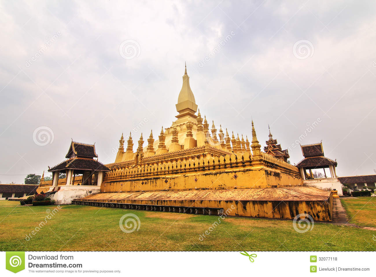 Wat Phra That Luang Royalty Free Stock Photos - Image ...