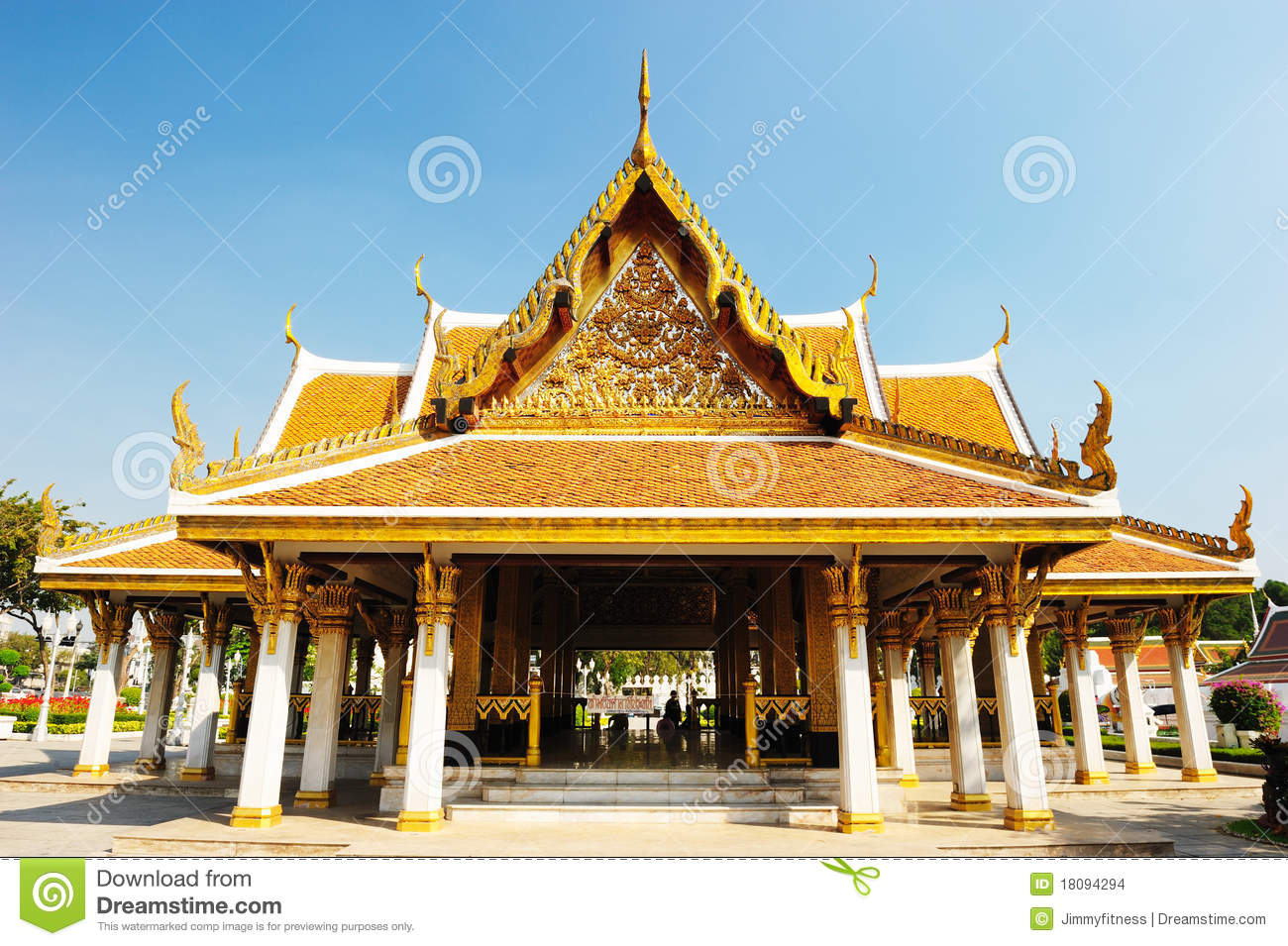 Wat Ratchanatdaram Temple Stock Images - Image: 18094294