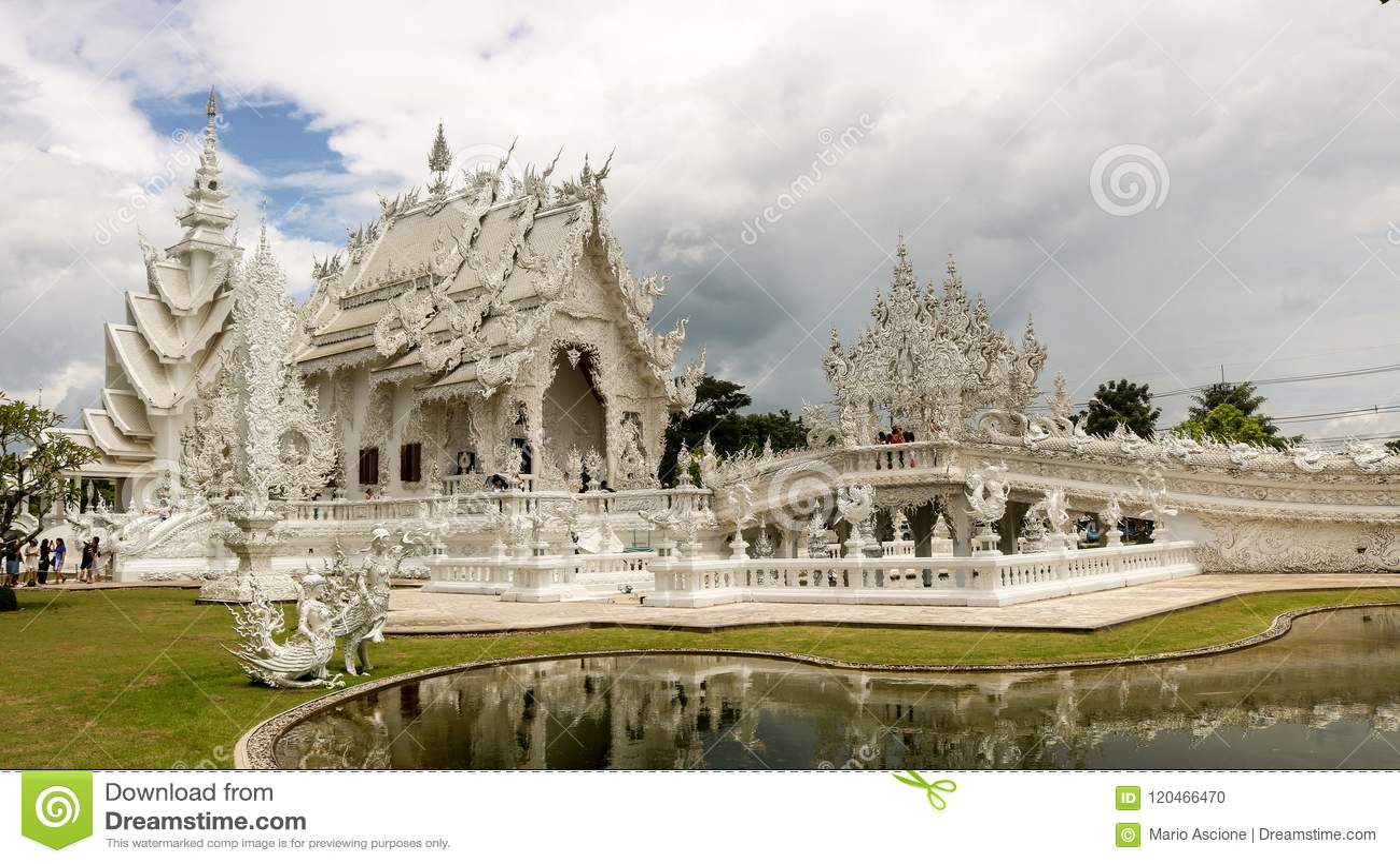 Wat Rong Khun in Thailand