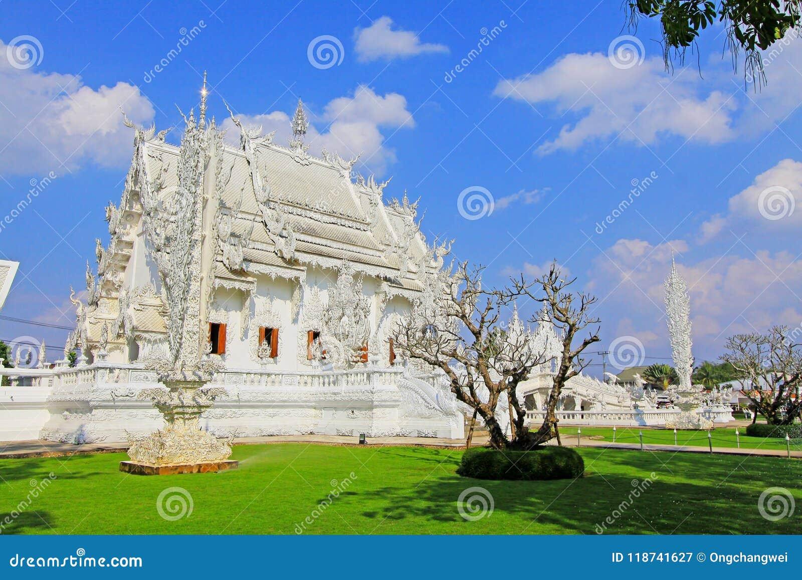 Wat Rong Khun White Temple, Chiang Rai, Thailand