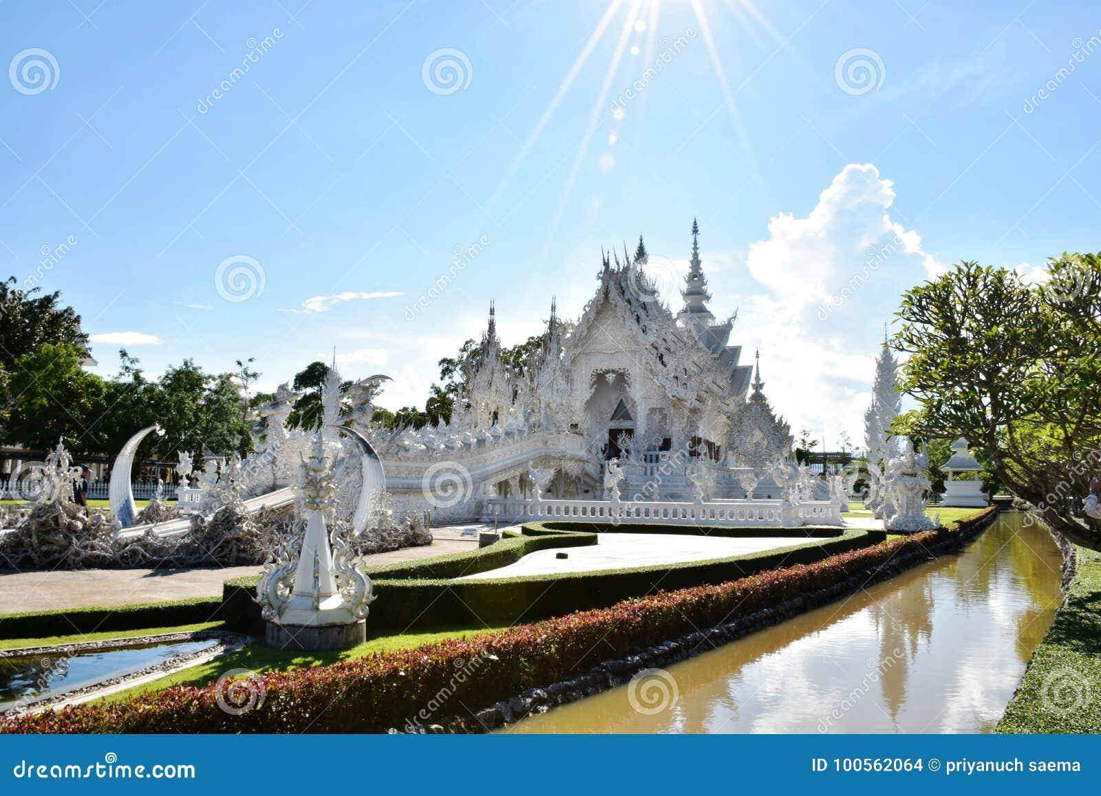 Wat Roung Khun