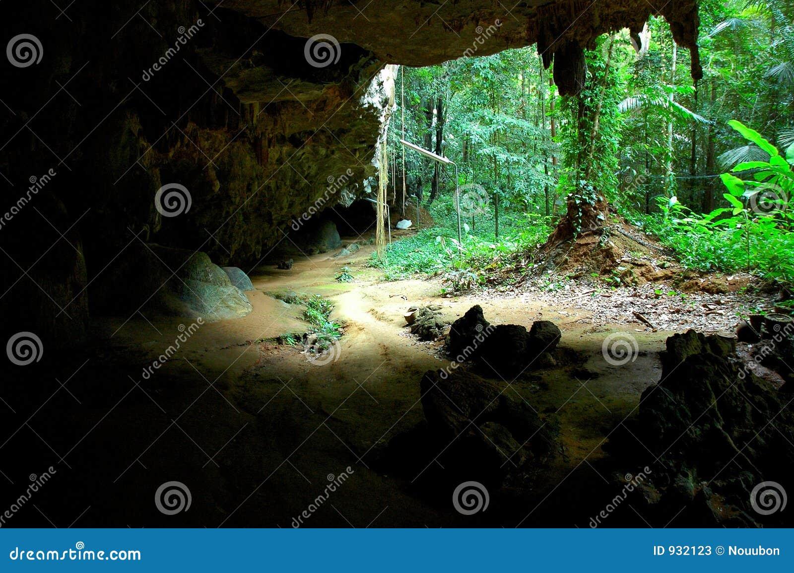wat tam seu uh  tiger cave temple  krabi  thailand stock muscle clip art images mussel clipart