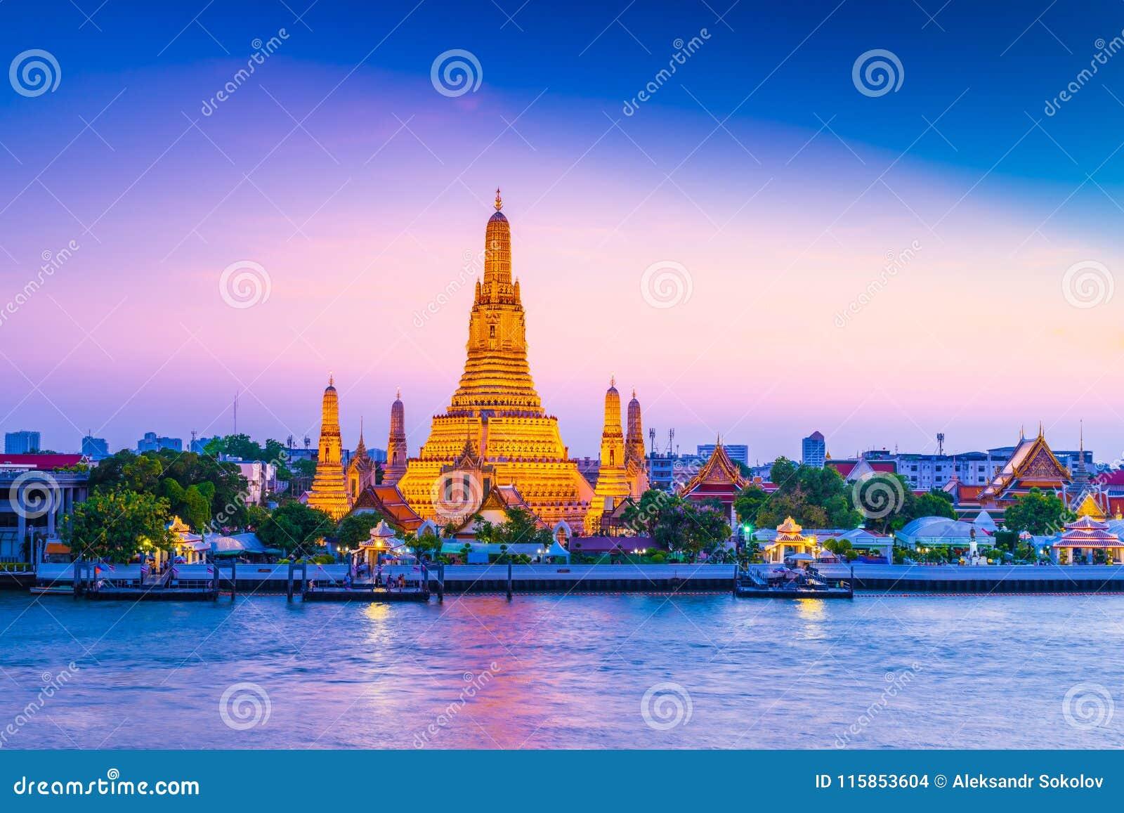 Wata Arun świątynia świt w Bangkok Tajlandia