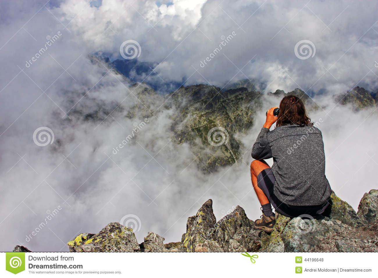 Watching the mountain crests from the top of a pea
