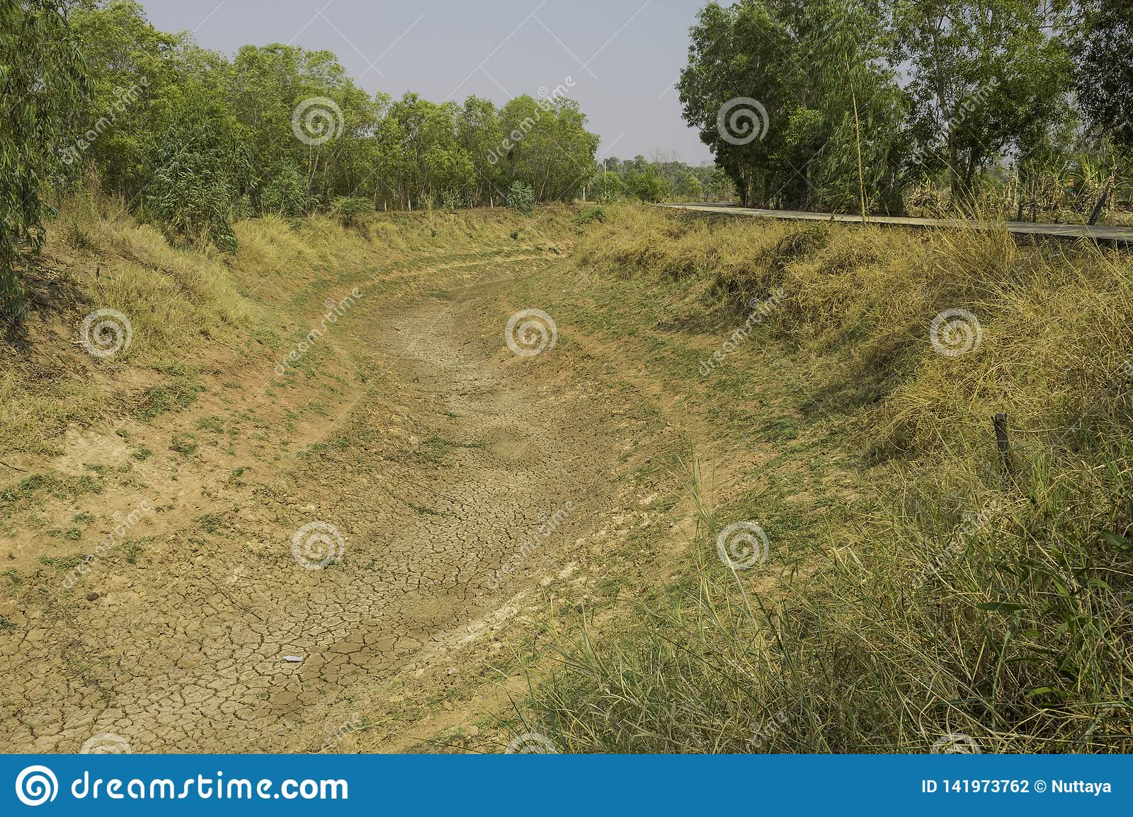 Dry canal