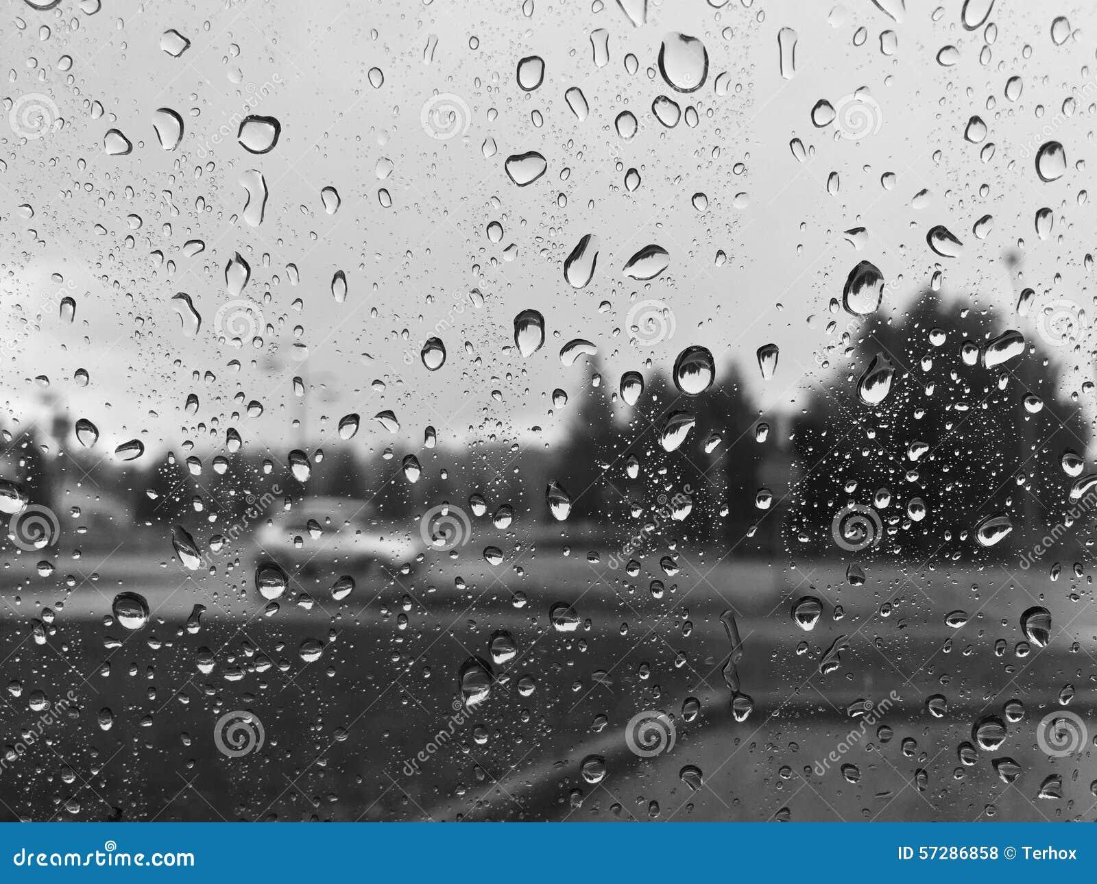 how to clean cloudy car windows