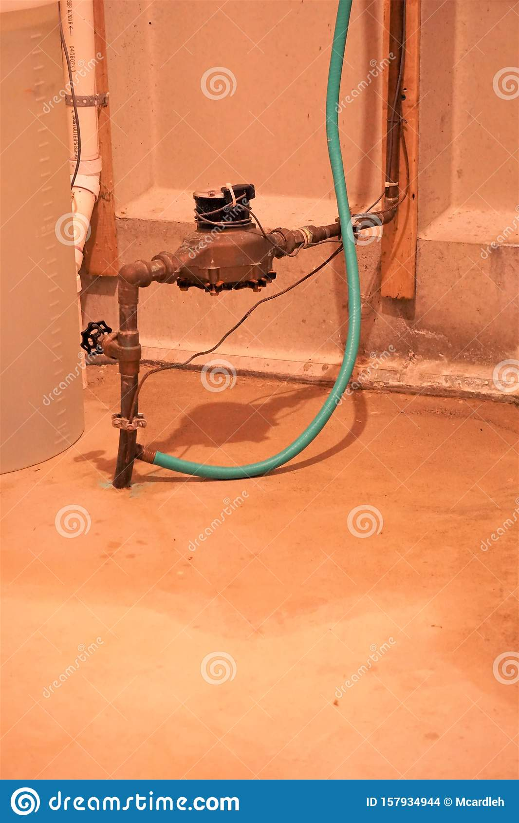 Water meter on copper pipe stock photo. Image of house - 157934944 [ 1689 x 1066 Pixel ]