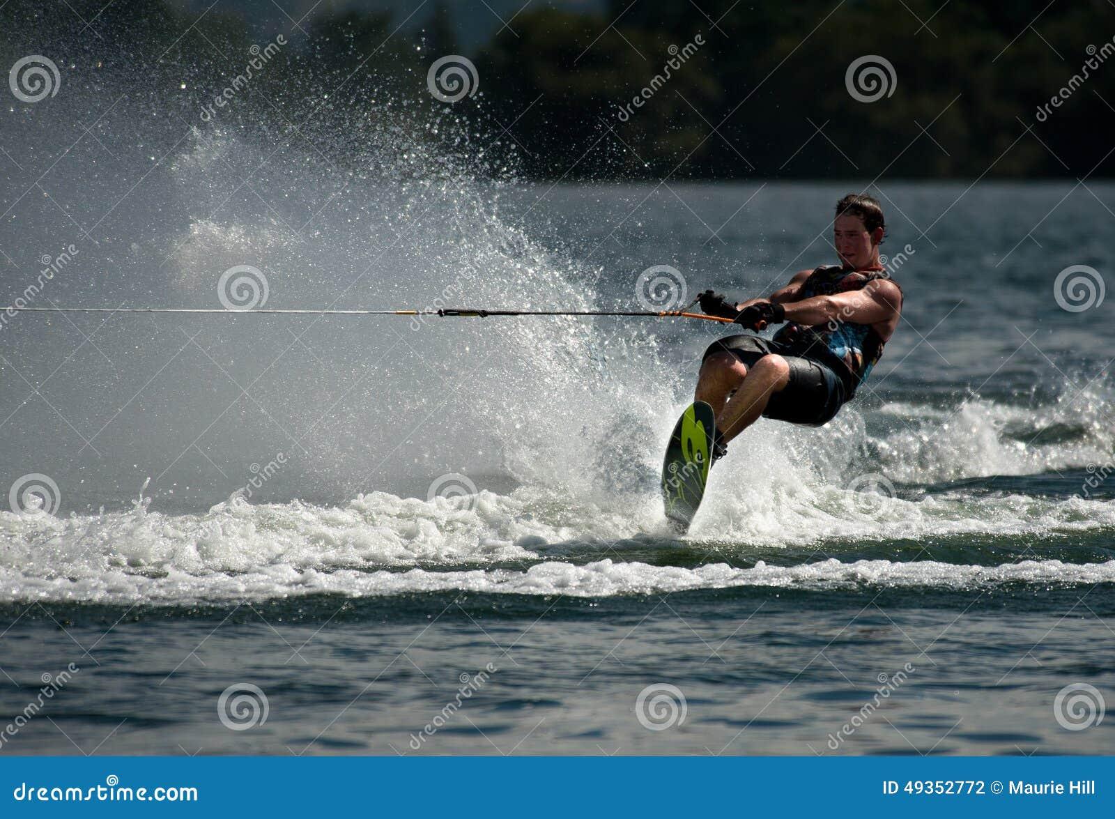 Singles skiing