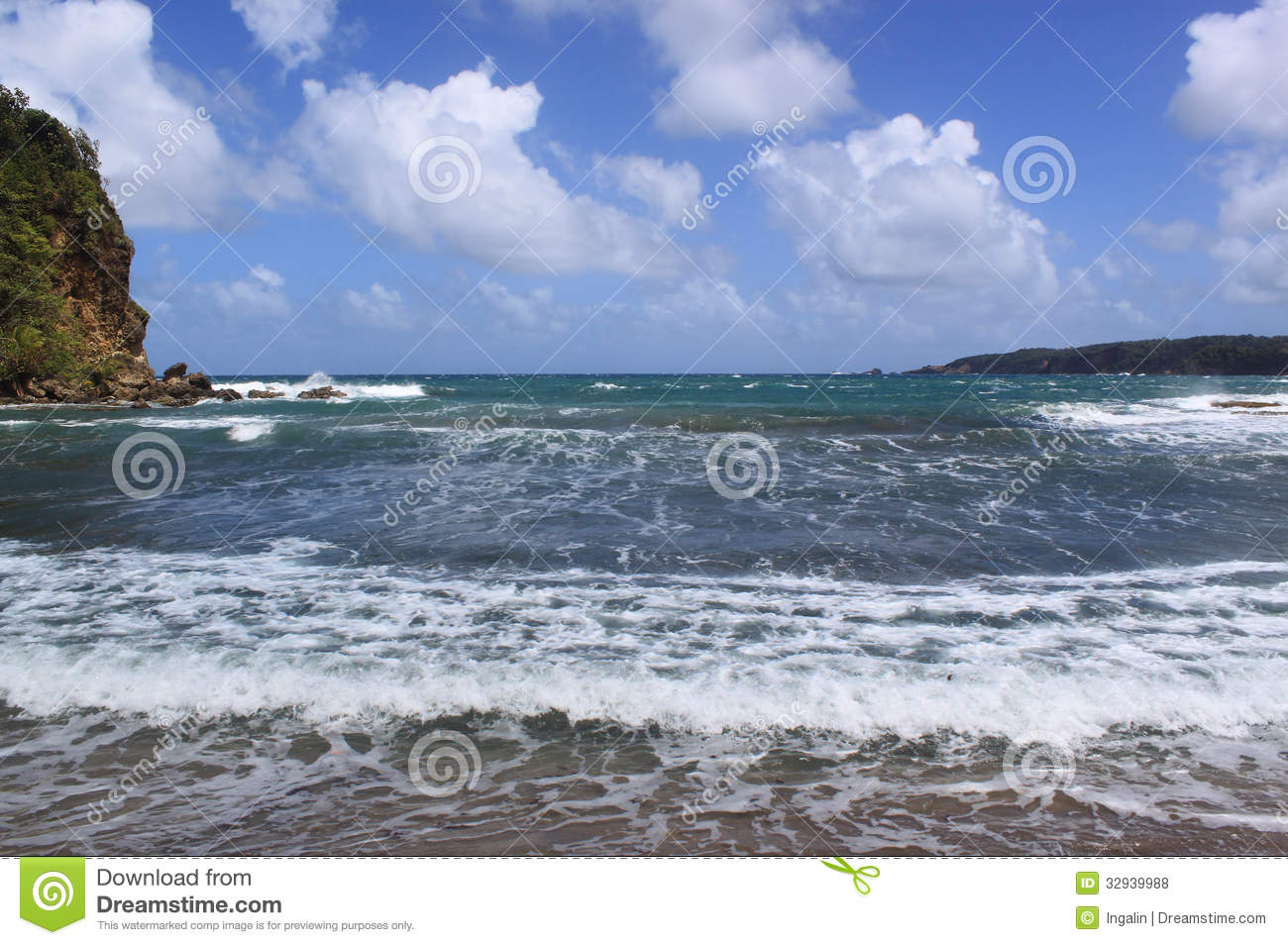 Water and waves black sand beach dominica caribbean for Black sand beach caribbean