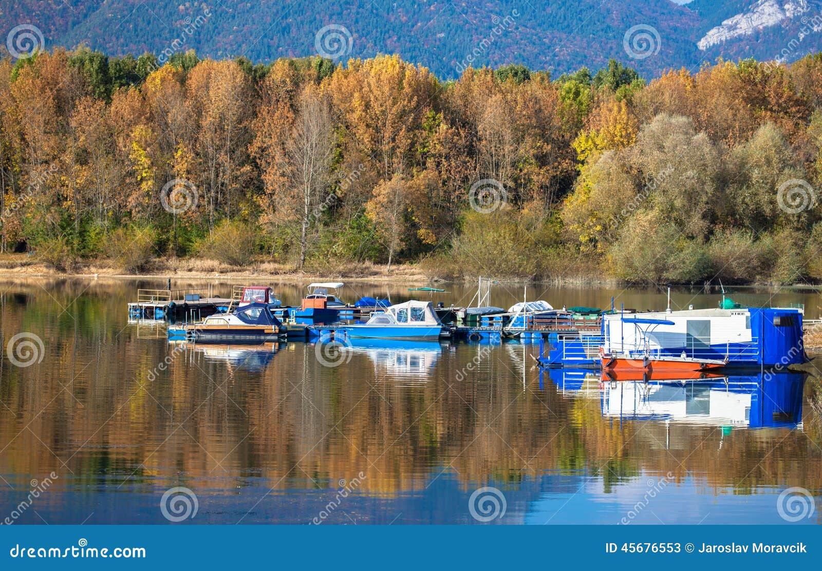 Waterbezinning - meer Liptovska Mara, Slowakije