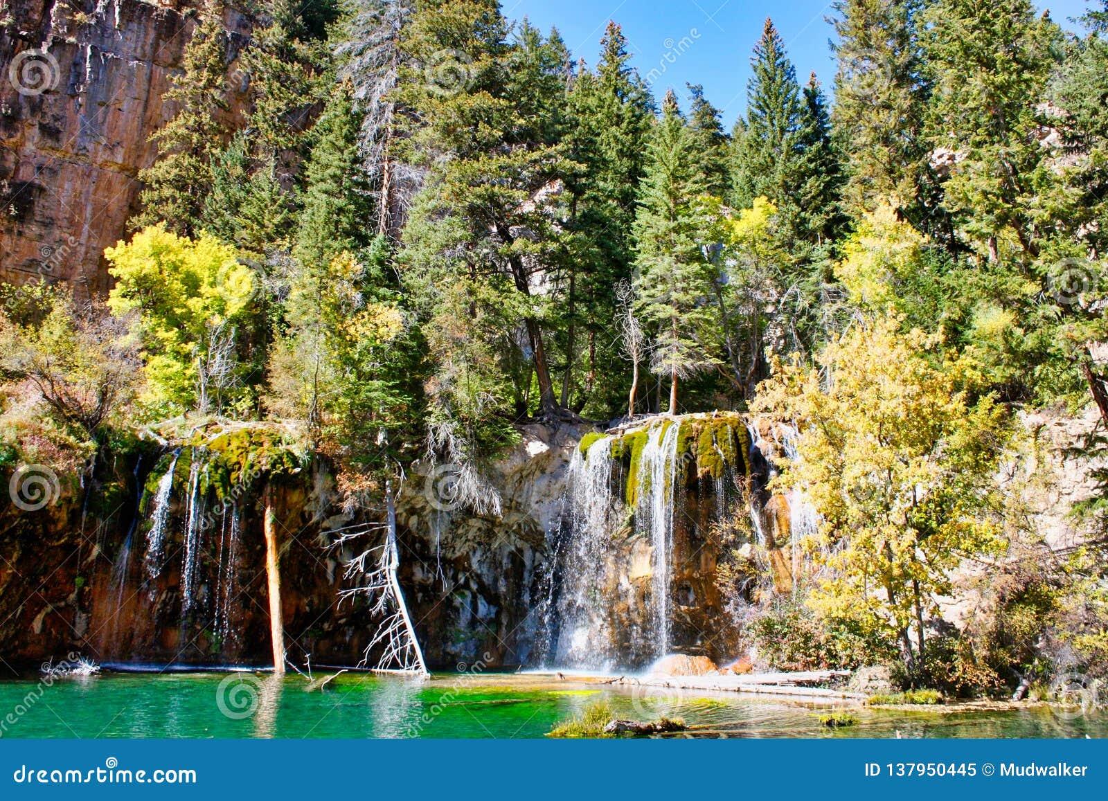 Hanging Lake Of Glenwood Canyon Stock Image Image Of Waterfalls