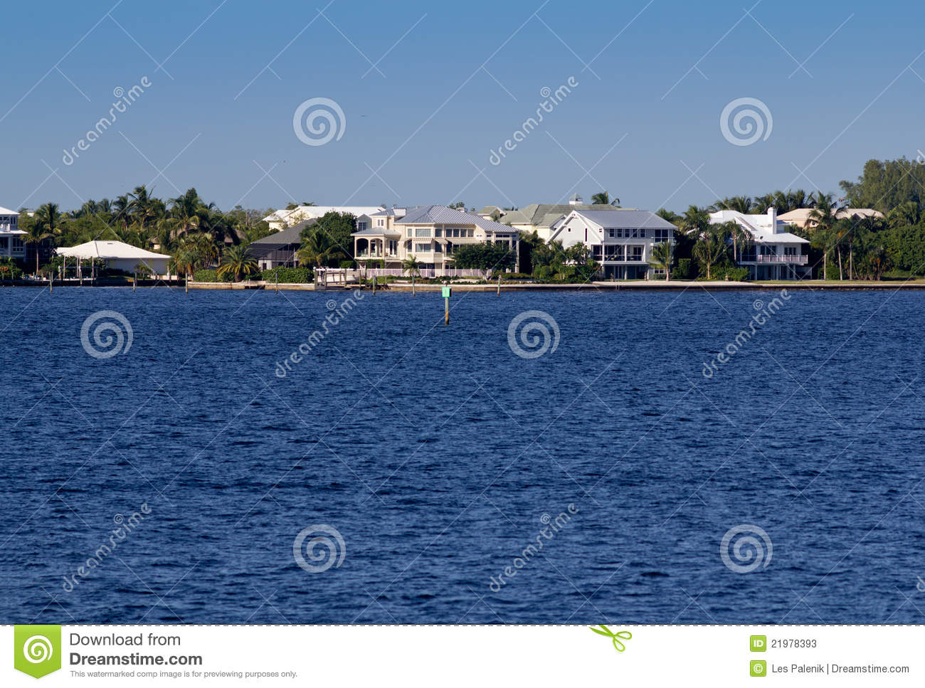 Waterfront homes in florida stock photos image 21978393 for 3d dreams fort mill sc