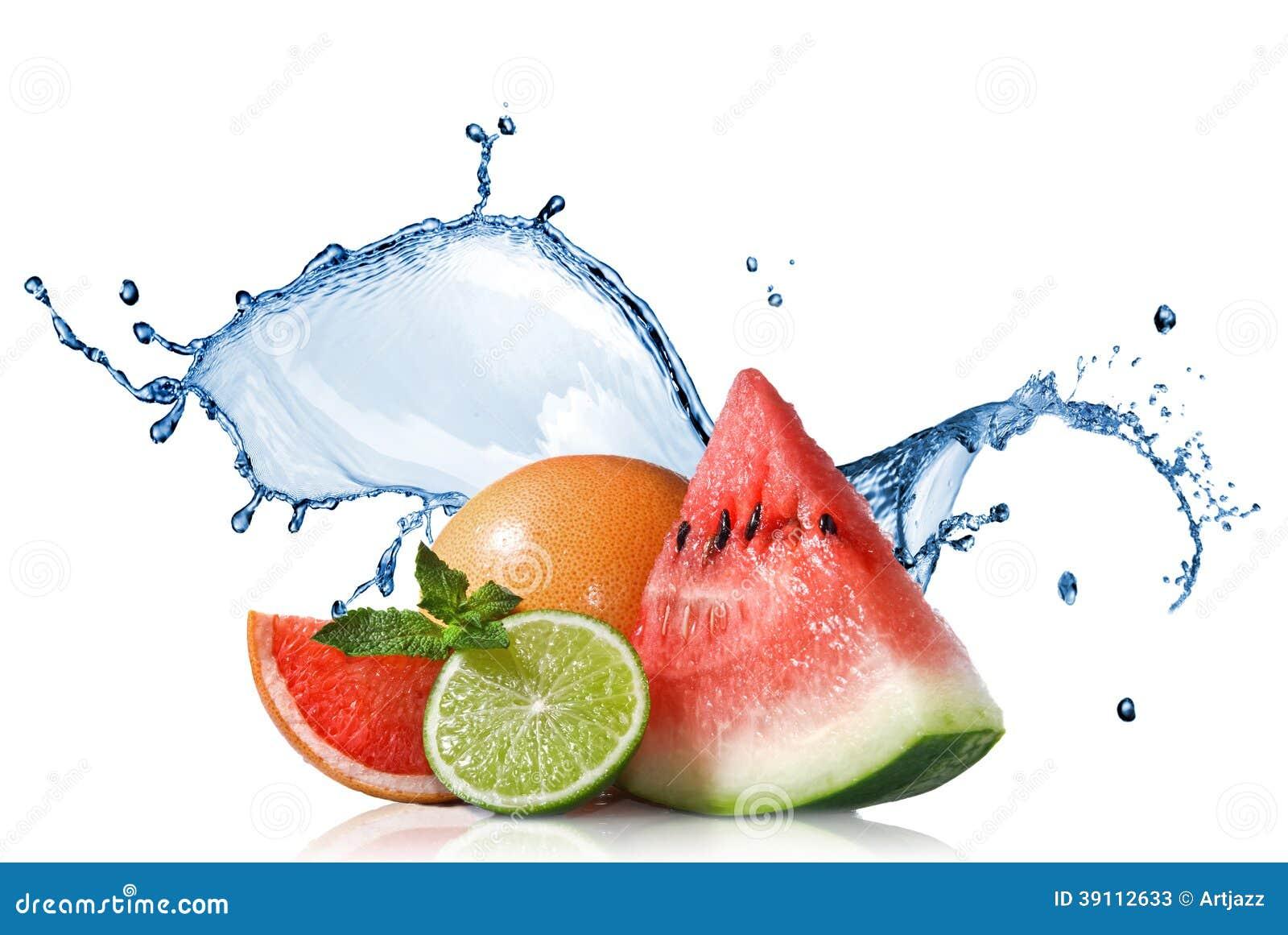 Watermeloen, grapefruit en kalk met munt