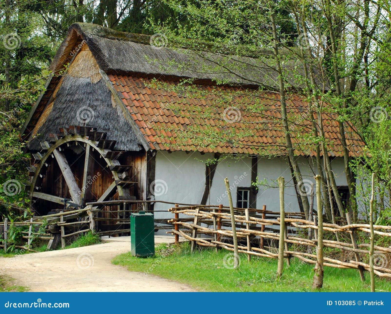 Watermill abandonado.