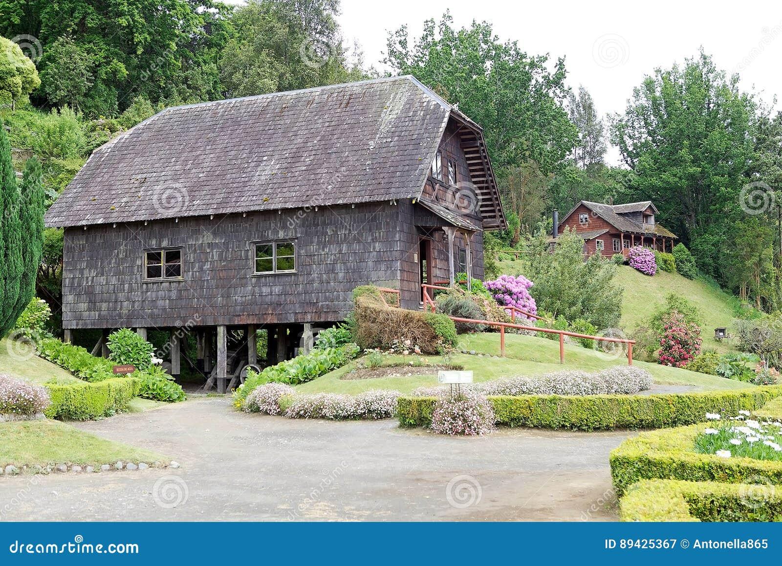 Watermill e casa no museu alemão em Frutillar, o Chile