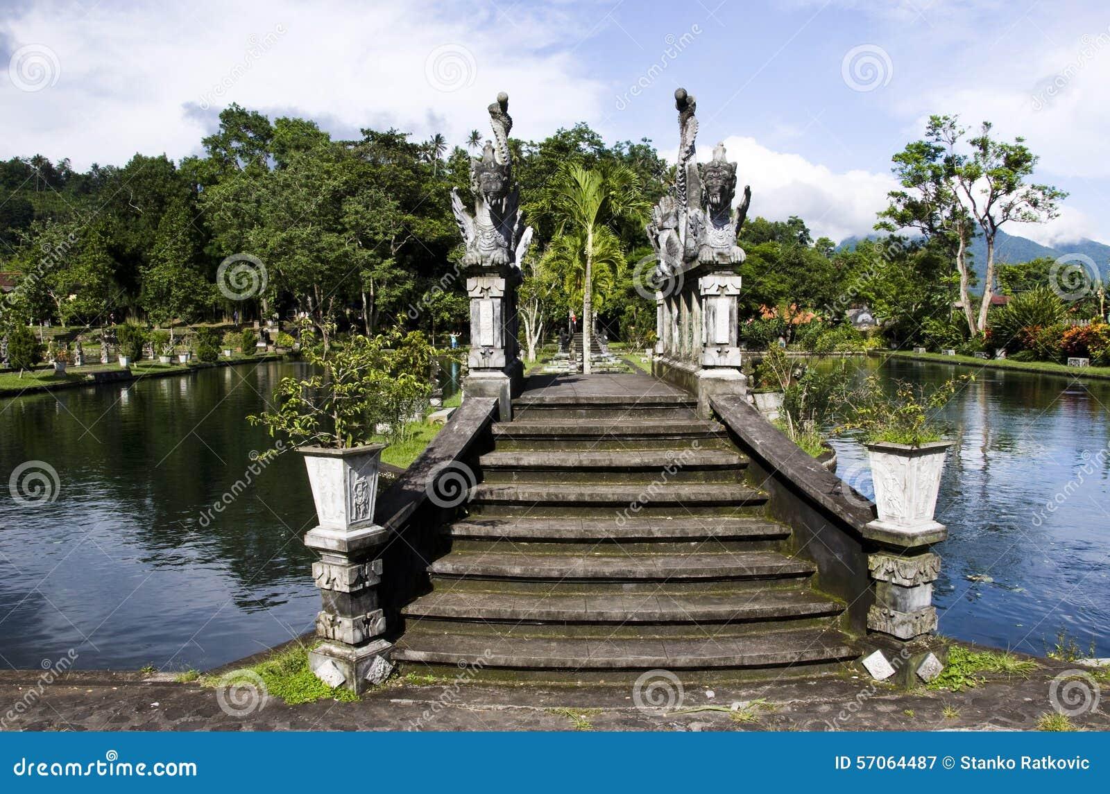 Waterpaleis van Tirta Gangga in Oost-Bali