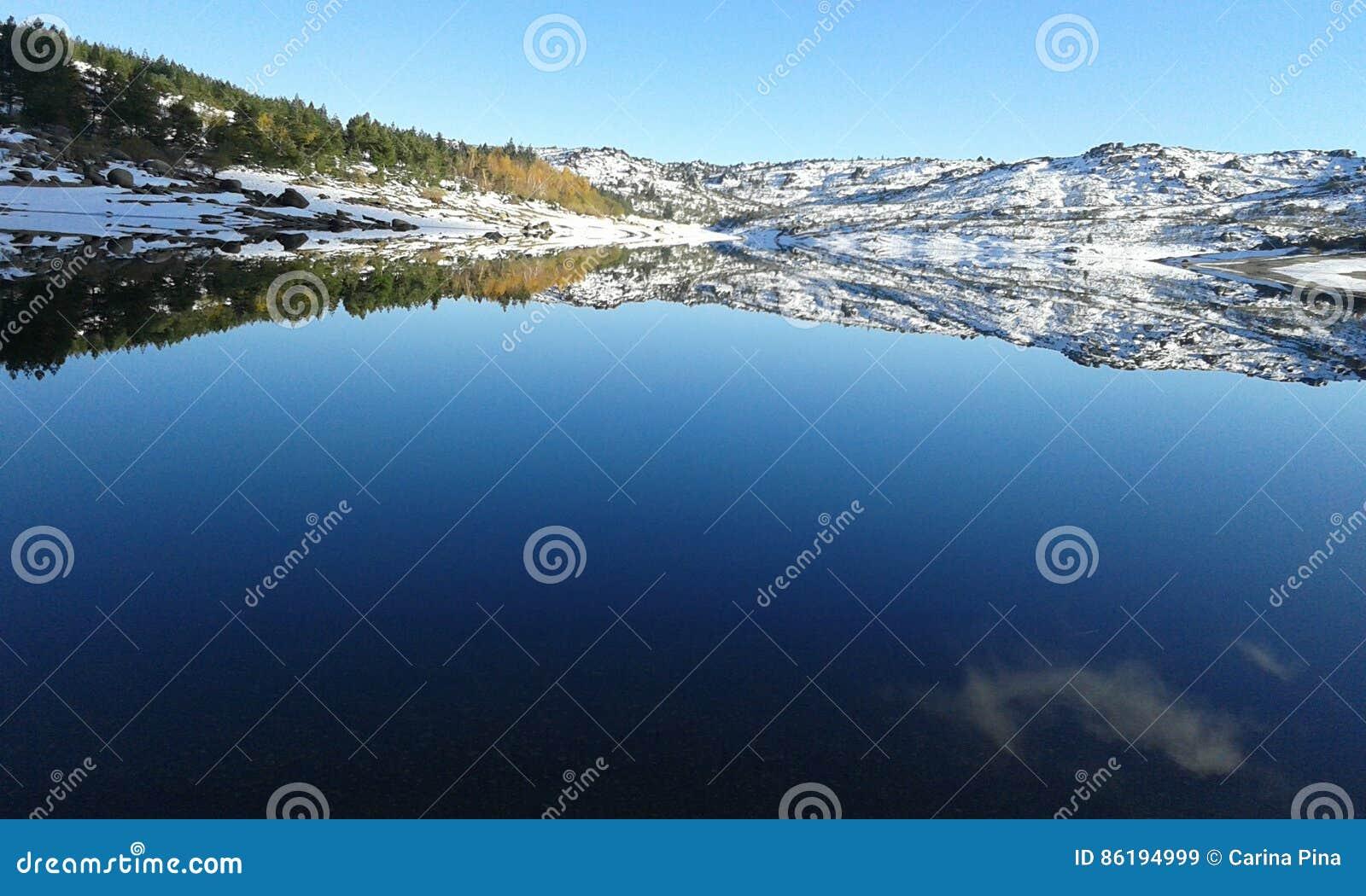 Waterr spegel