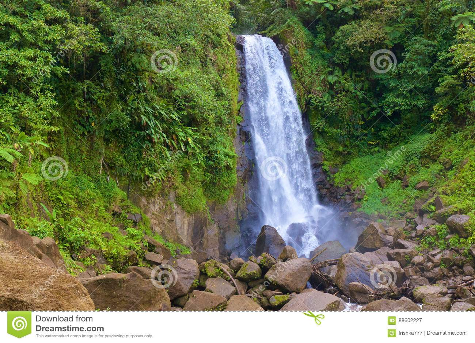 Waterval in Caraïbisch Martinique,
