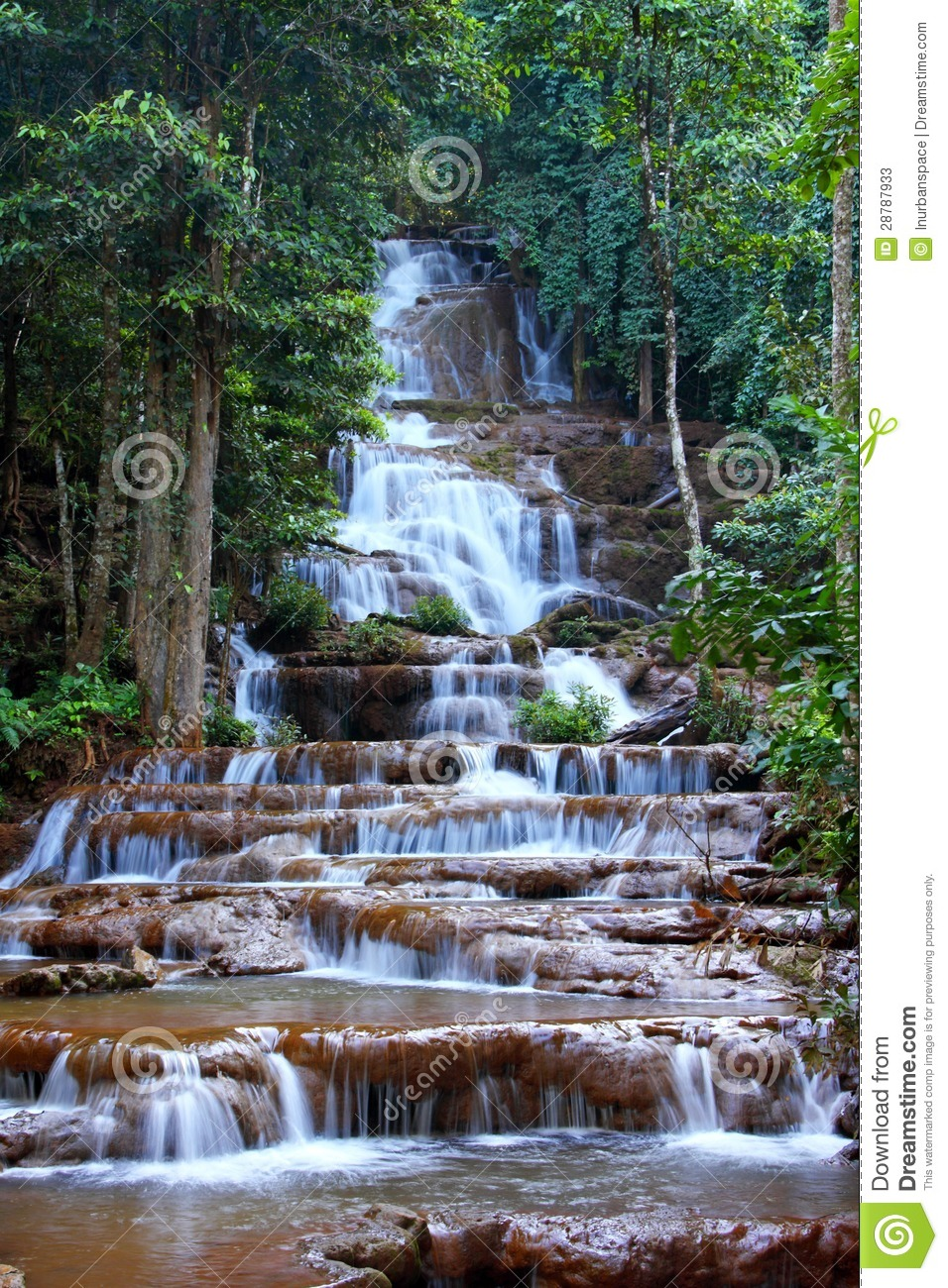 Tak Thailand  City new picture : Waterval In Nationaal Park, Tak Provincie, Thailand. Stock Foto's ...