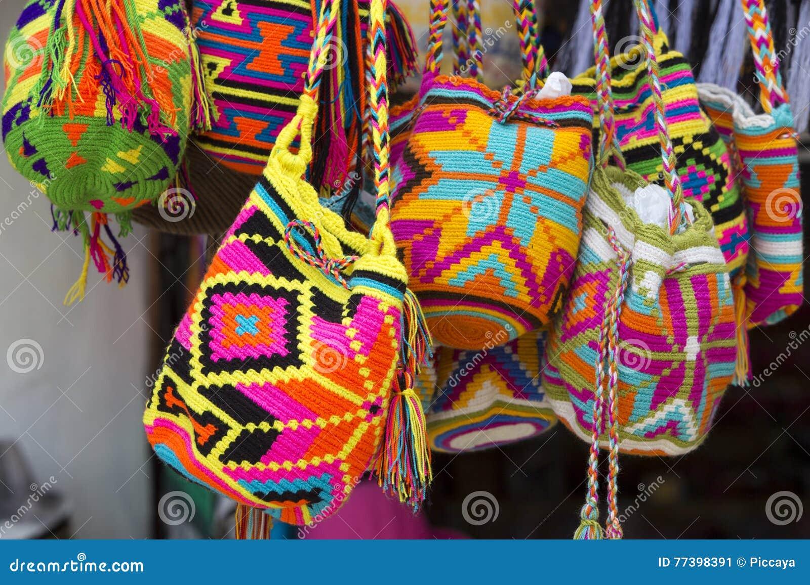 Handcrafted Cubo Hecho De Complementos Lana Bolsos Ganchillos Wayuu A Los Artículos Mujeres Estilo Mochilas Las Del Diversos 6CBPnS