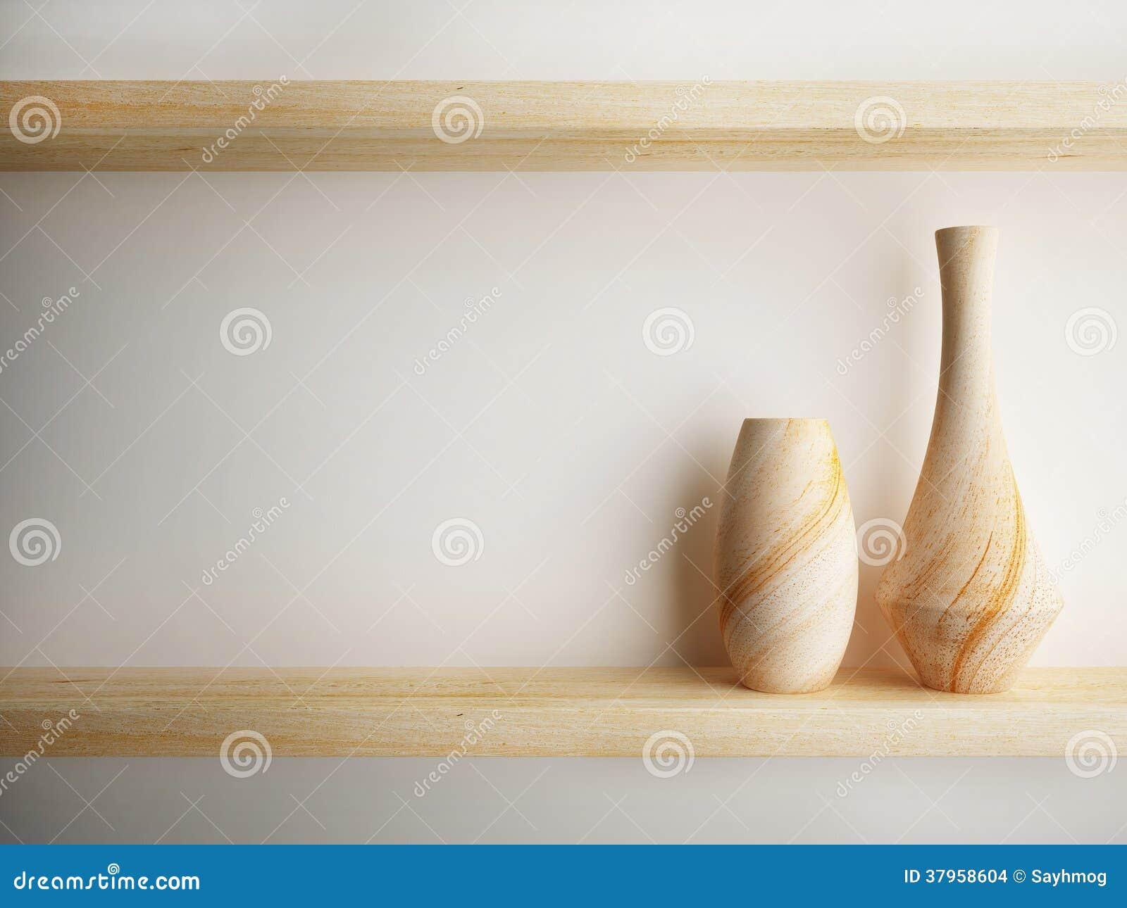 Wazowy drewno na półce dekoruje projekt