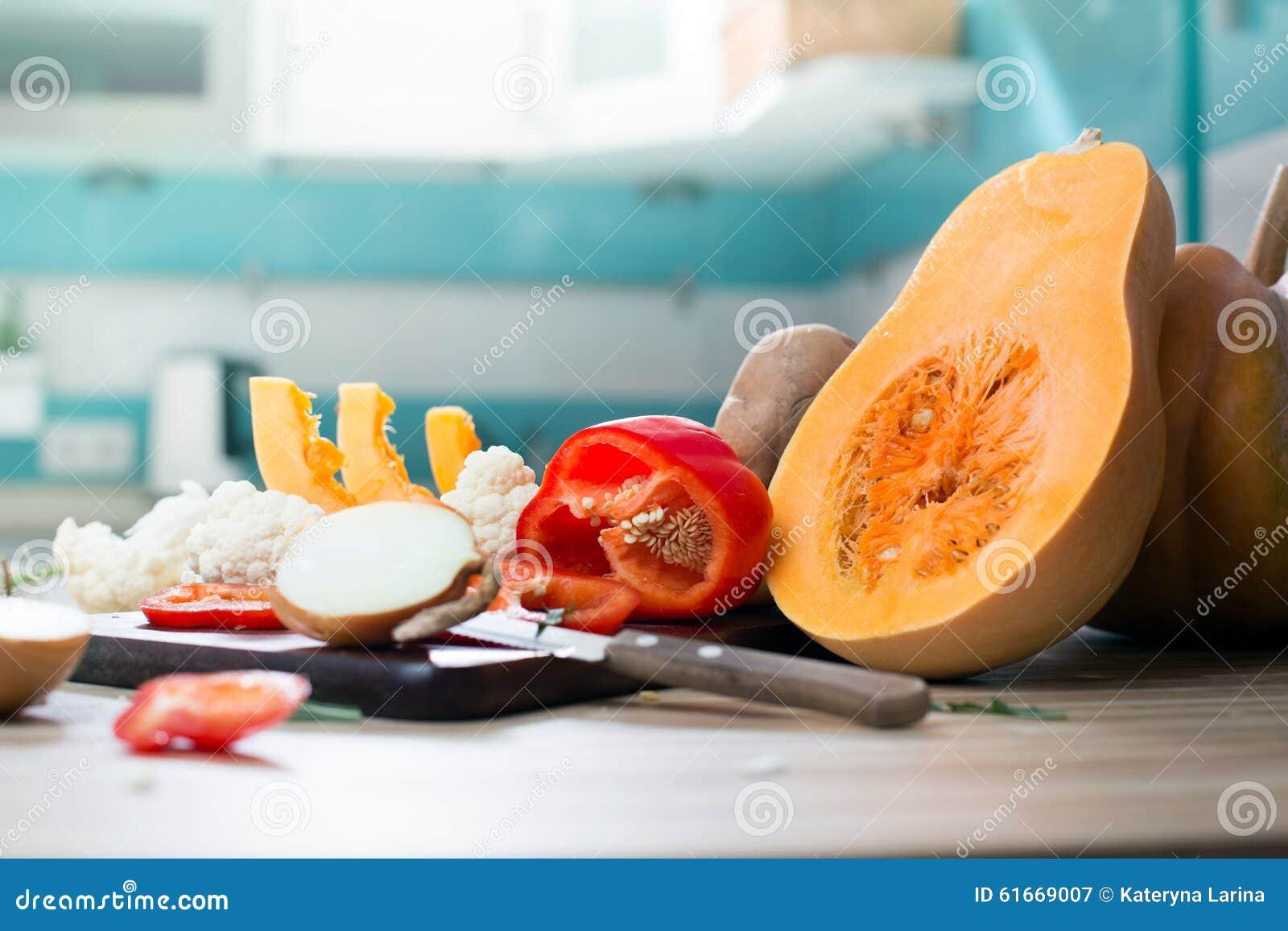 Wciąż życie z jesieni banią i owoc