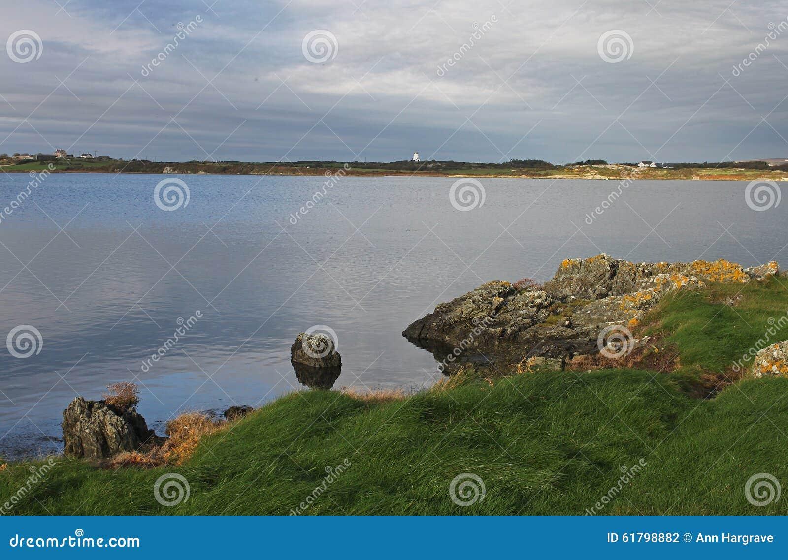 Wczesnego poranku krajobraz, cztery mil most, Anglesey