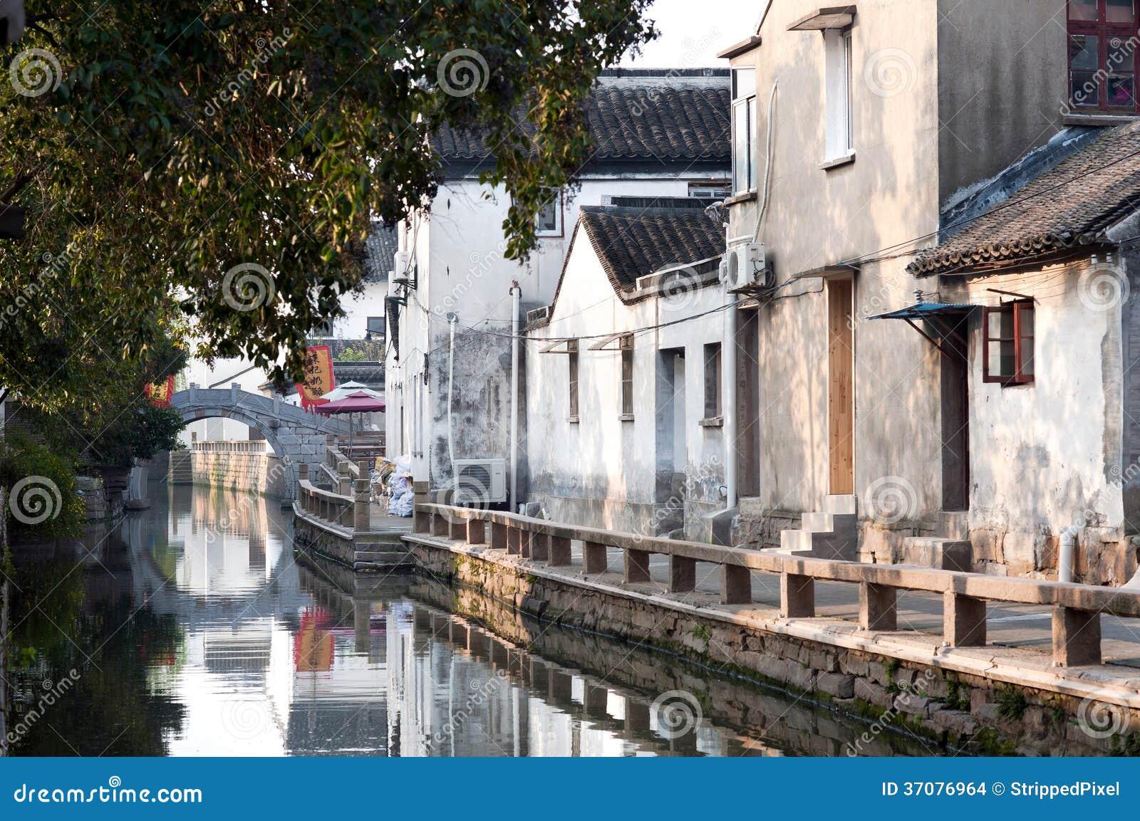 Download Wczesny Poranek Na Pingjianglu, Suzhou, Chiny Zdjęcie Stock - Obraz złożonej z pogodny, droga: 37076964