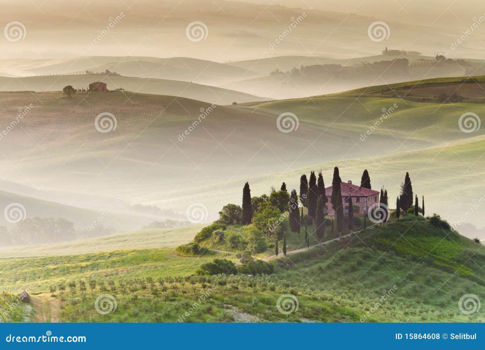 Wczesny poranek Tuscany