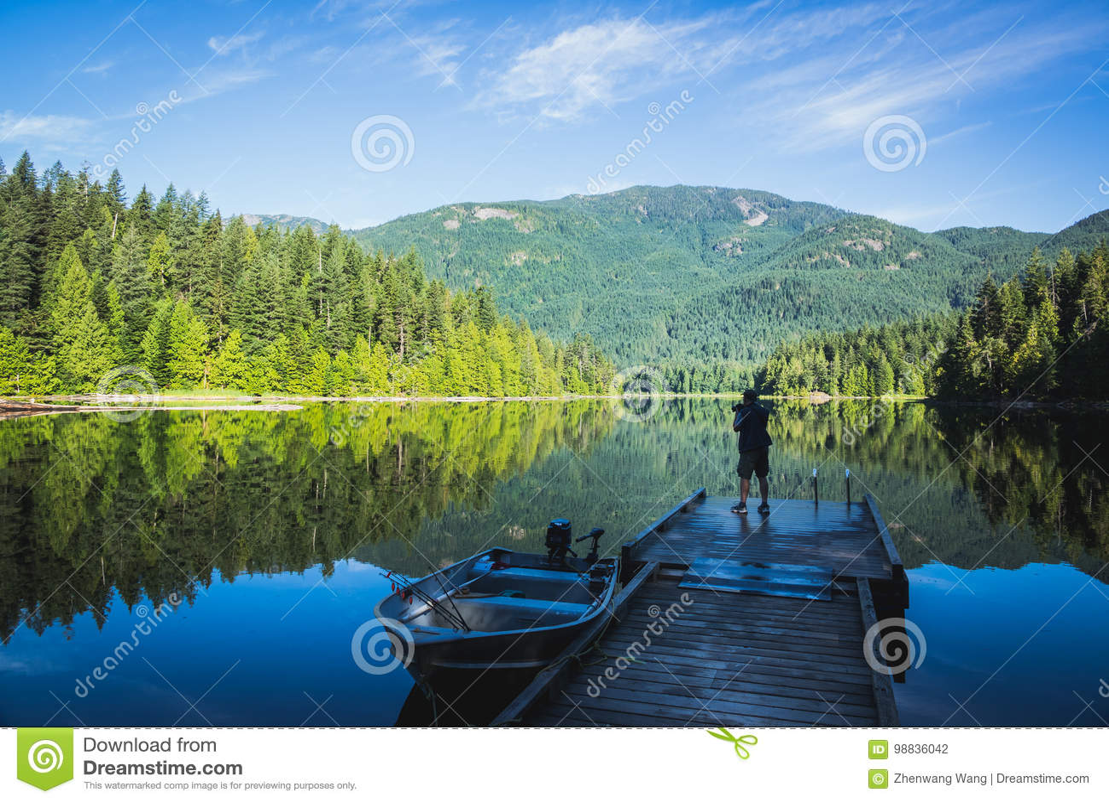 Weaver lake in the morning