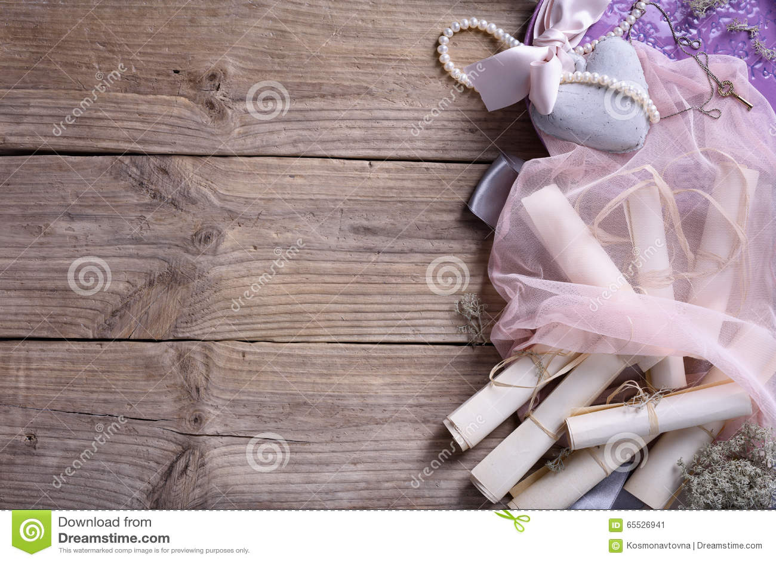 wedding accessories ceramic heart vintage invitation scrolls pink