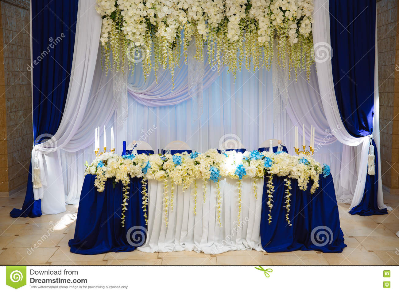 Wedding accessories the decoration of the banquet hall table download comp junglespirit Images