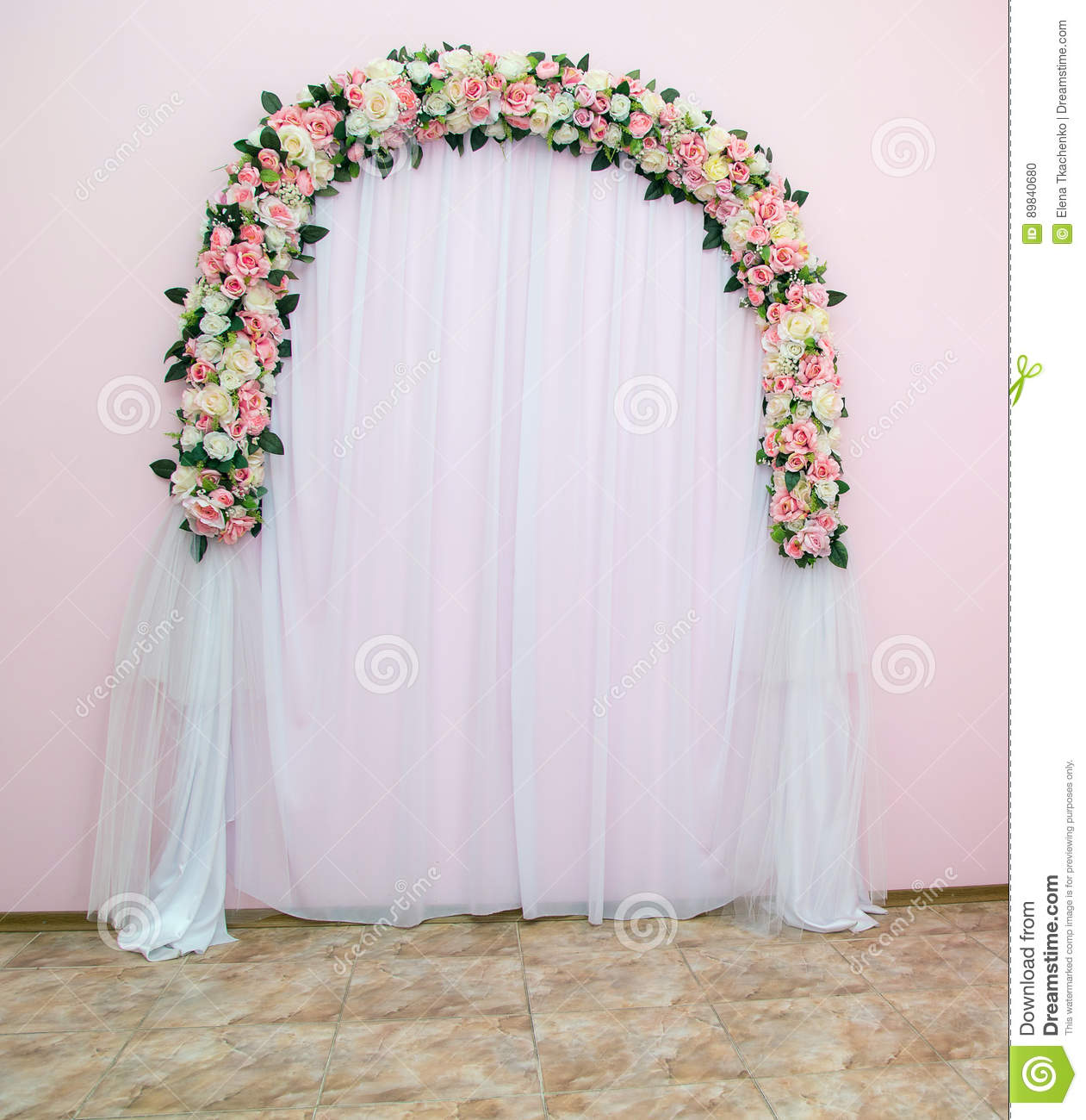 Wedding arch as the place of artificial flowers decorated with download comp junglespirit Choice Image