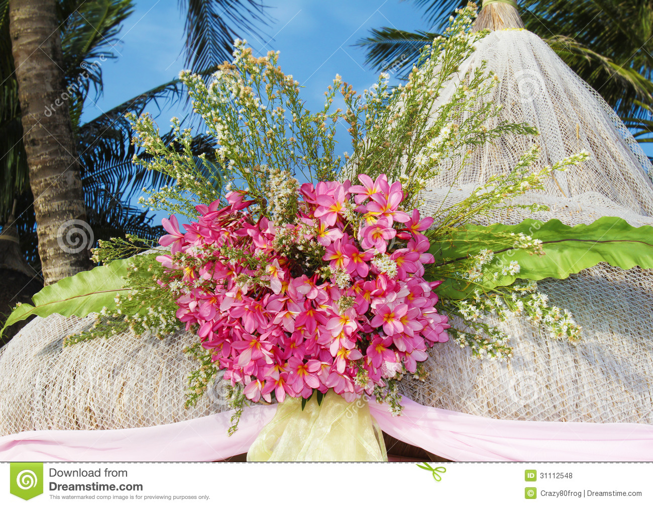 beach wedding flowers wedding arch and set up royalty free stock photos image 1587