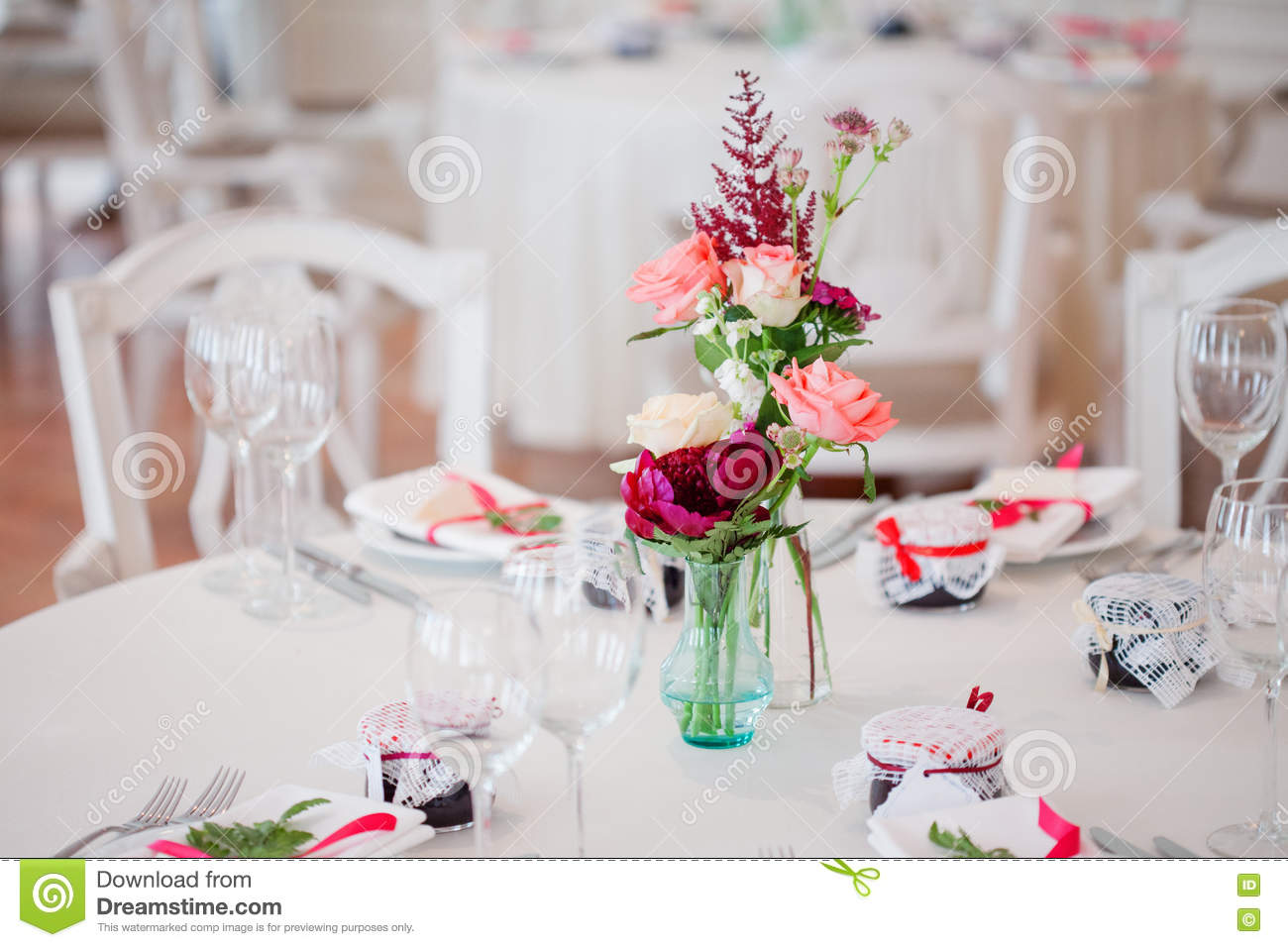 Wedding Banquet Small Restaurant Floral Decor In Red Informal Style Stock Image Image Of Elegant Bright 76367987