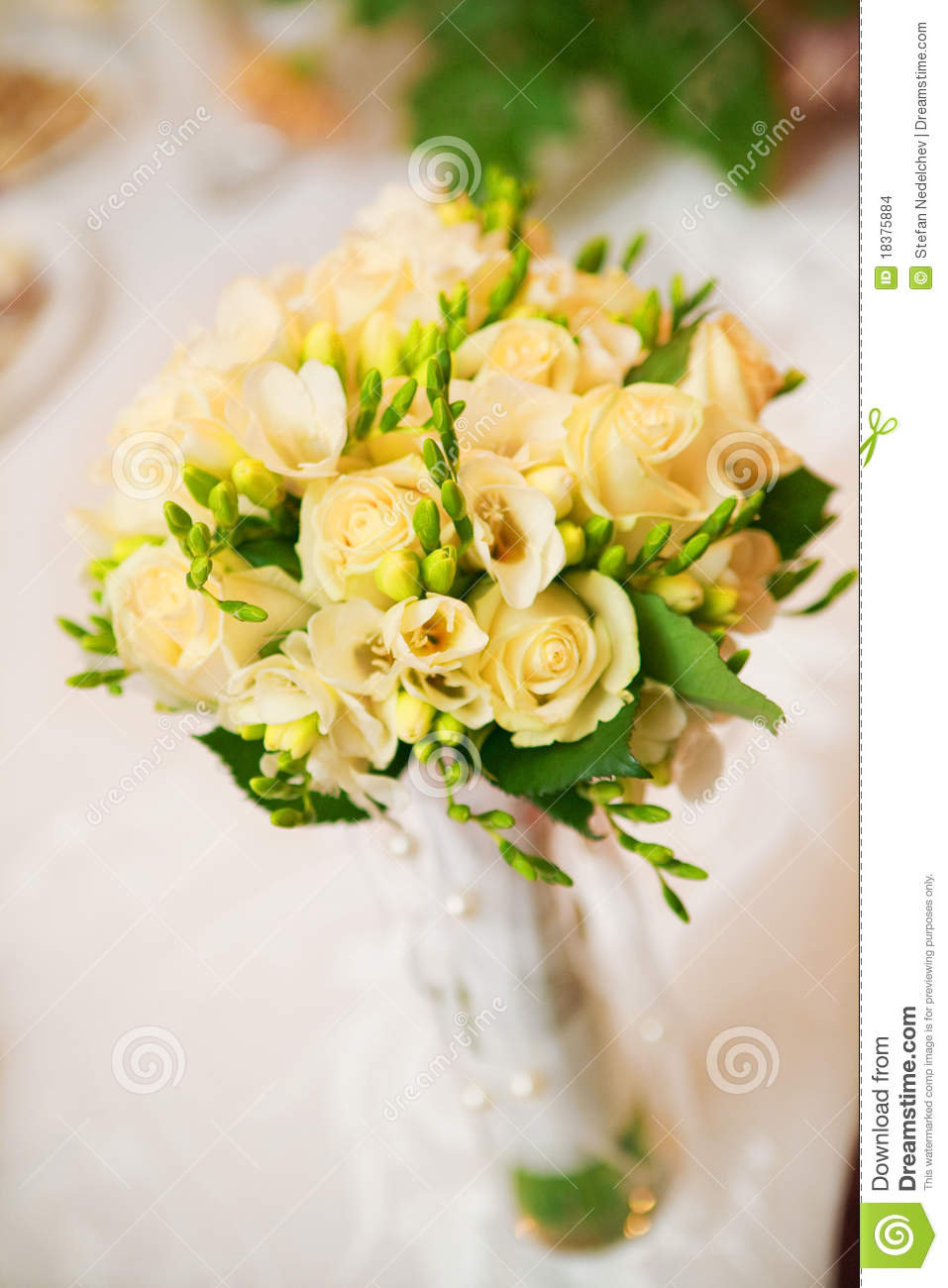 wedding bouquet in yellow stock images image 18375884 yellow wedding bouquet wedding ideas 957x1300