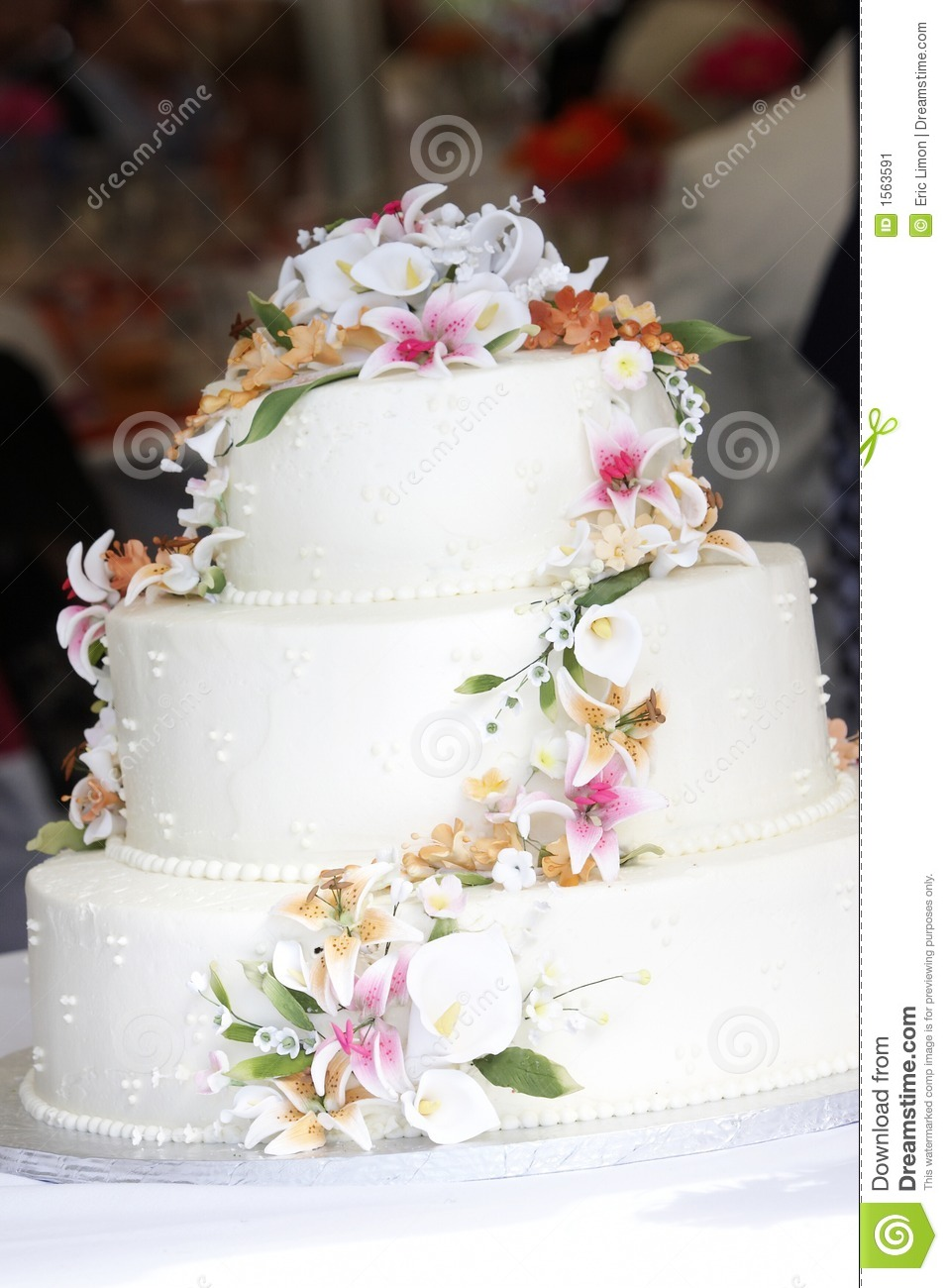 edible sugar flowers for wedding cakes wedding cake with sugar flowers stock image image 3829
