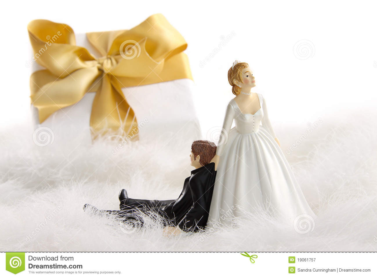 Wedding Statue Gifts: Wedding Cake Figurines With Gift On White Royalty Free