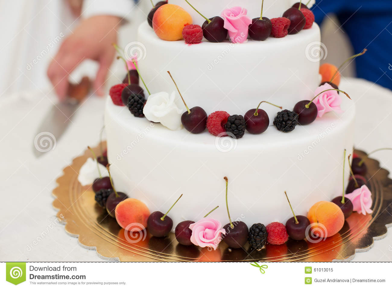 Fantastic Wedding Cakes With Fruit Ensign - The Wedding Ideas ...