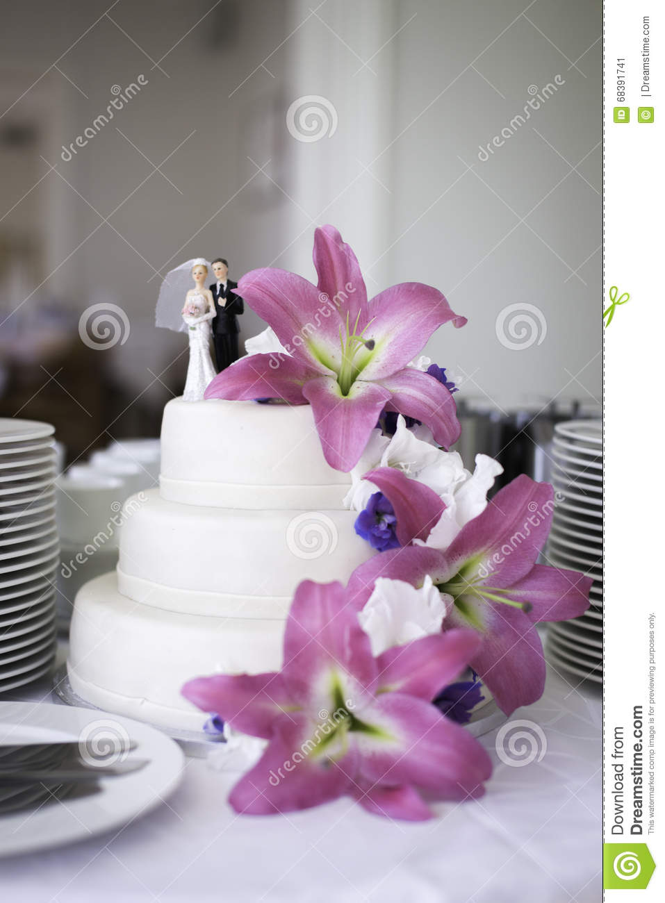 Wedding Cake With Pink Flowers Stock Image - Image of bride ...
