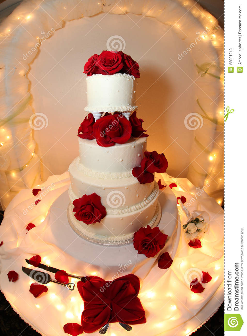 Wedding Cake With Red Roses Stock Image Image Of Flower
