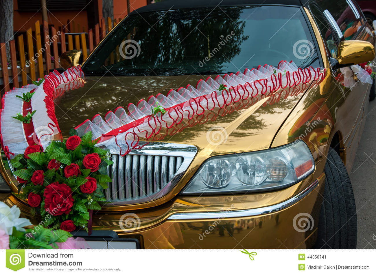 Wedding car decoration stock image image of flowers for Automotive decoration