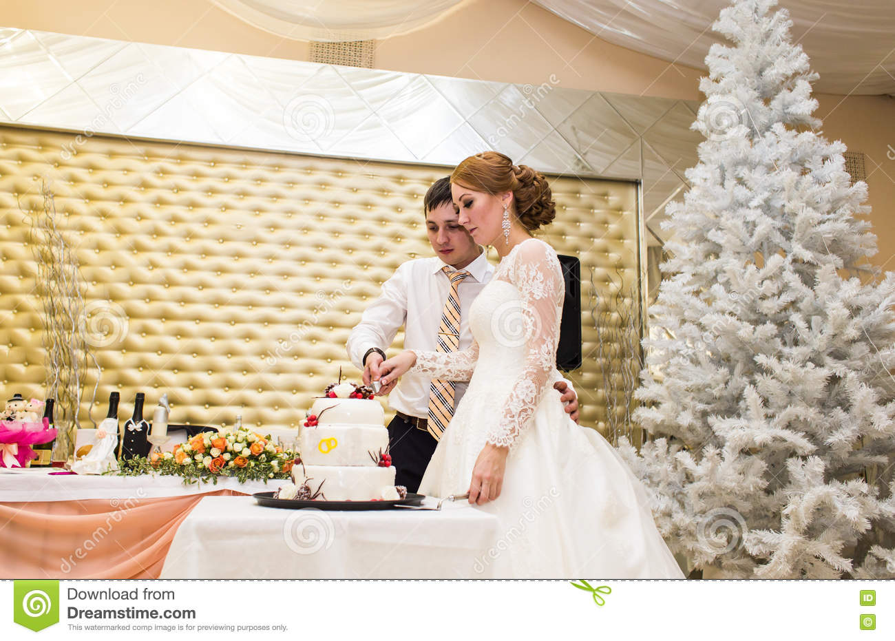dream interpretation eating wedding cake groom cake stock photos royalty free images 13730