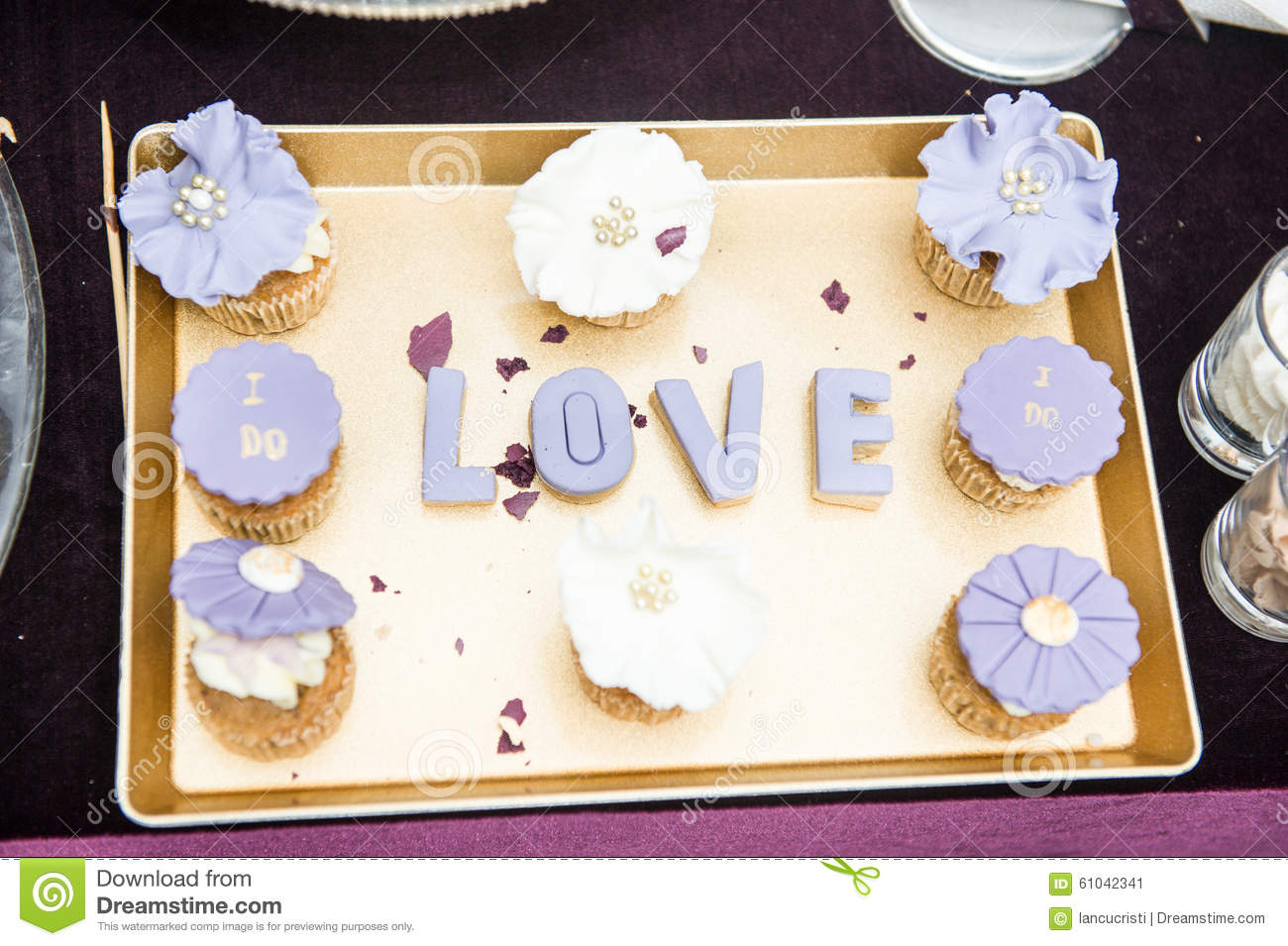 Wedding decor love letters on tray with blue colored for Aana decoration decorative tray